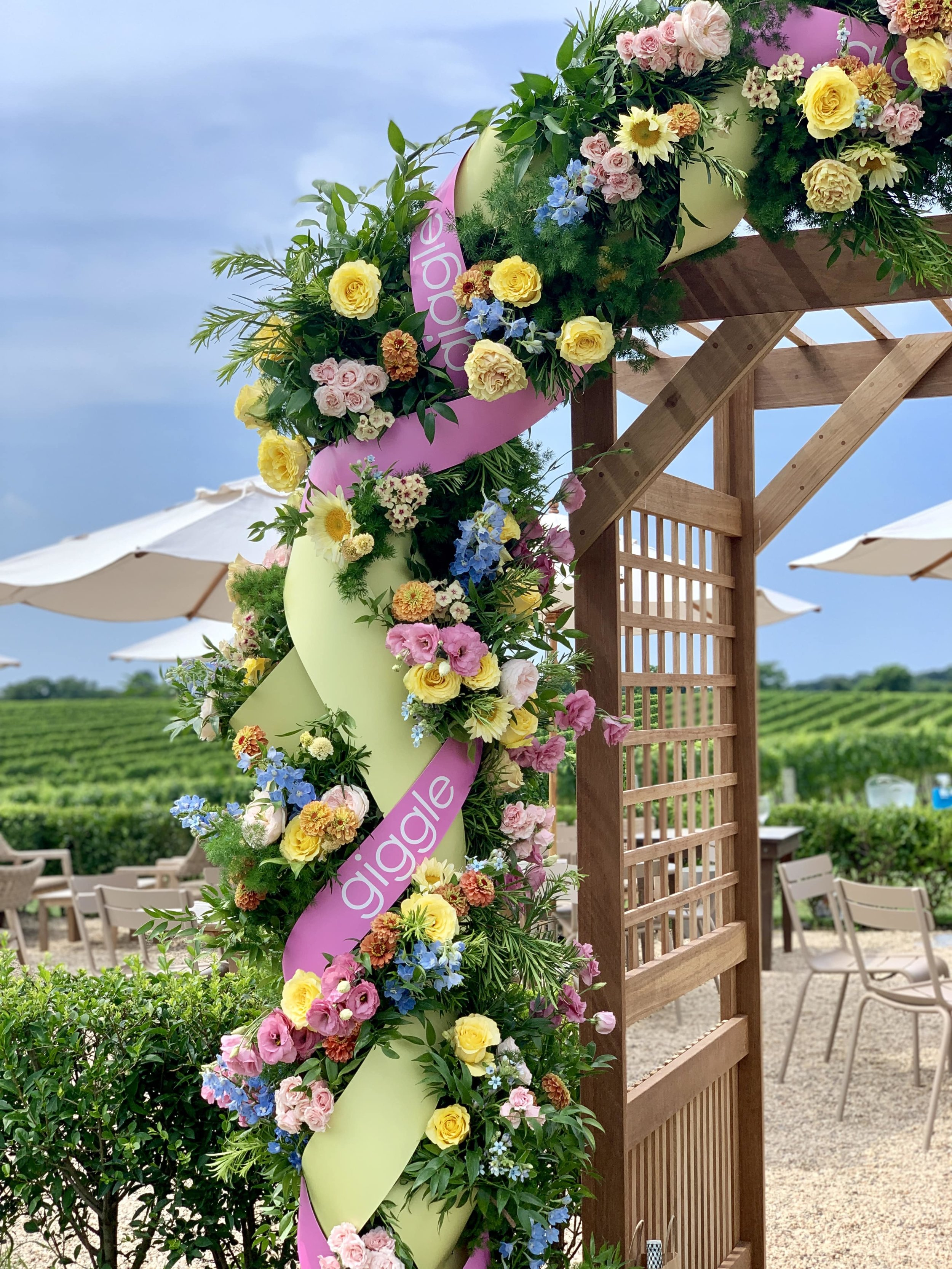 giggle Flower Arch Details
