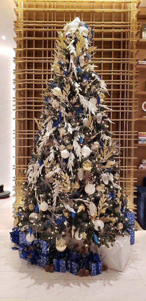 Holiday Image14-min.jpg