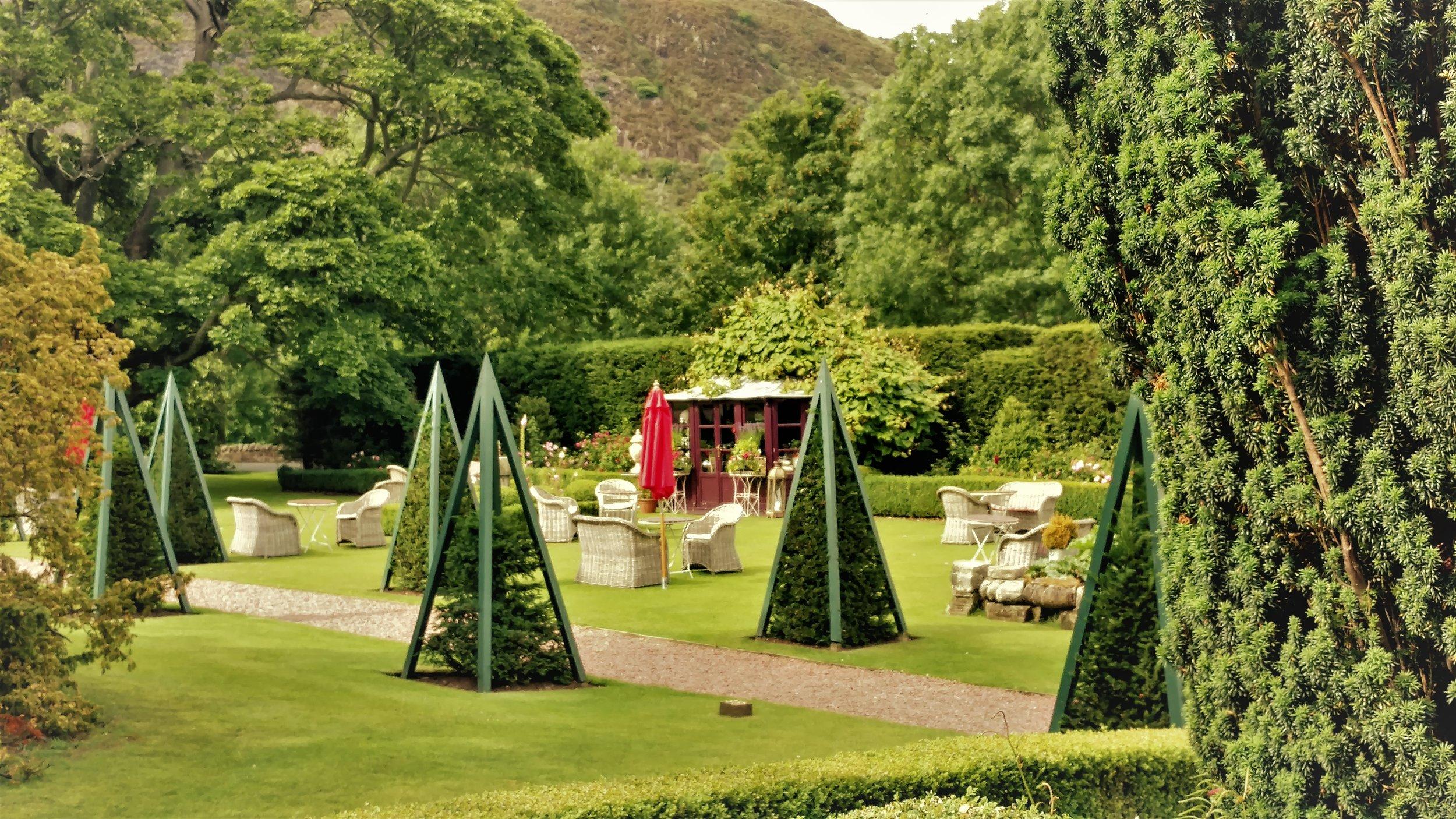 GardensPrestonfield.jpg