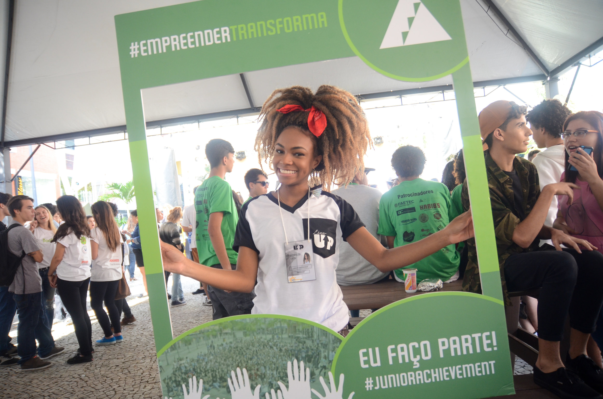 JUNIOR ACHIEVEMENT   Founded in 1999 in Rio de Janeiro, it has since helped over 270 thousand young people with the support of more than 11 thousand volunteer professionals and partner companies.  We handle all contact with Rio de Janeiro press, with the added challenge of making JA increasingly influential, thus impacting more students within the State.