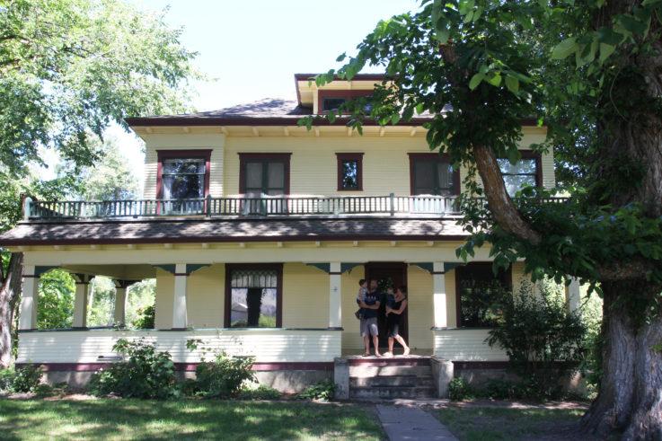 The-Grit-and-Polish-Farmhouse-1-7-14-16-1-e1468590350554.jpg