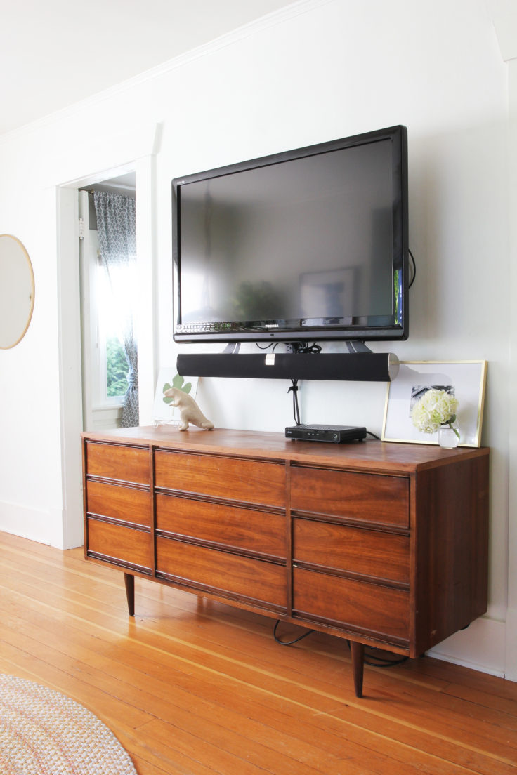 The-Grit-and-Polish-Bryant-Airbnb-After-Living-TV-e1504488210598.jpg