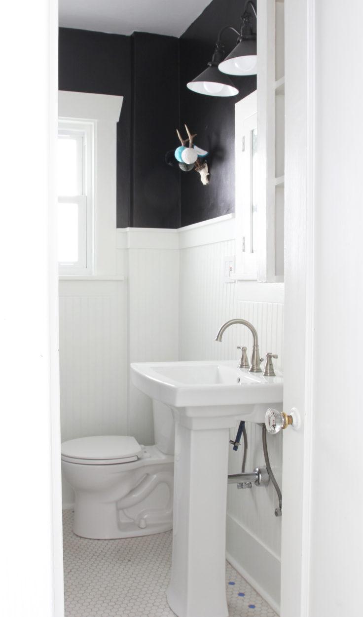 The-Grit-and-Polish-Dexter-Main-Bathroom-e1488473062189.jpg