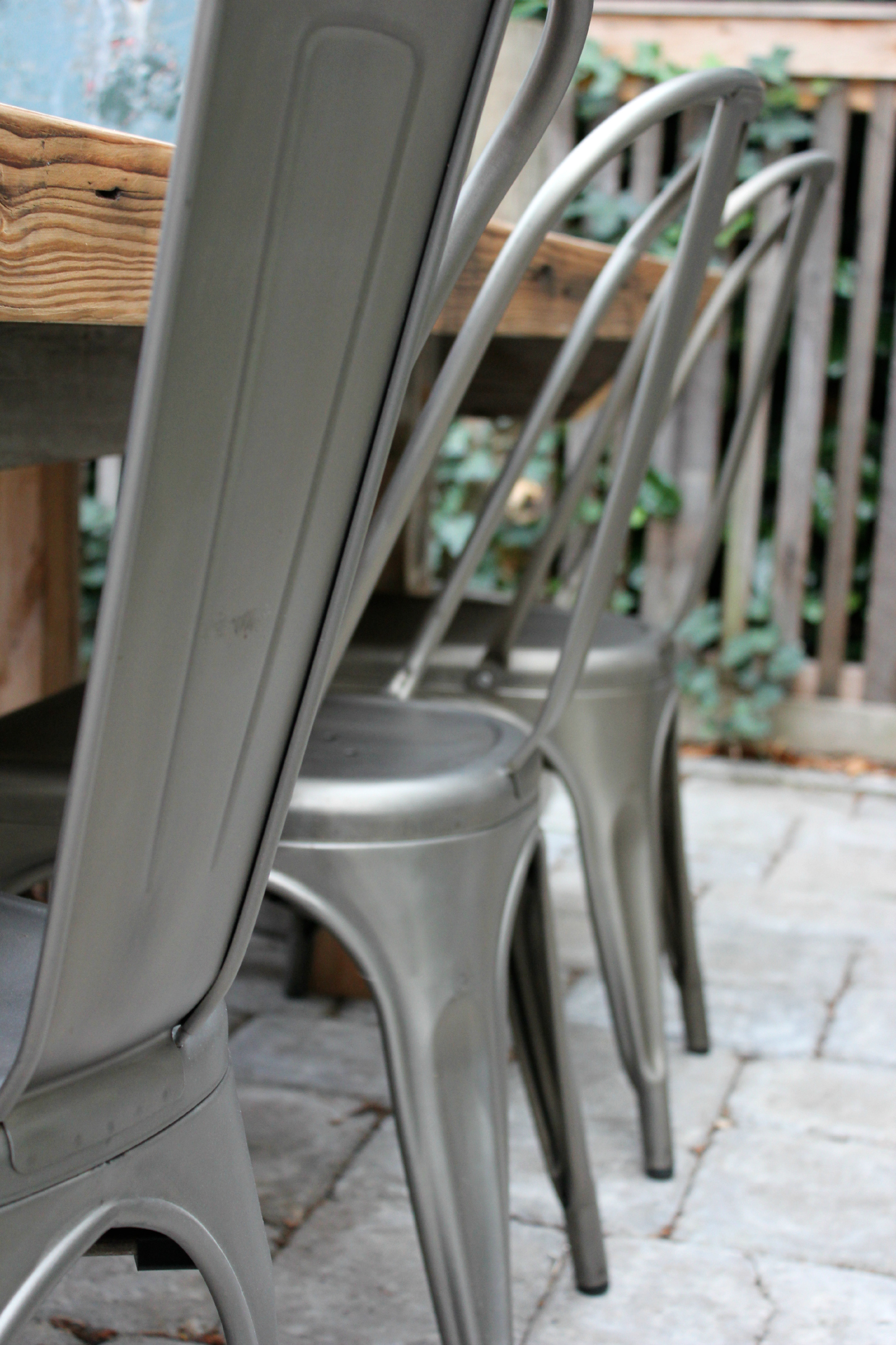 The-Grit-and-Polish-Wallingford-Patio-table-chairs1.jpg