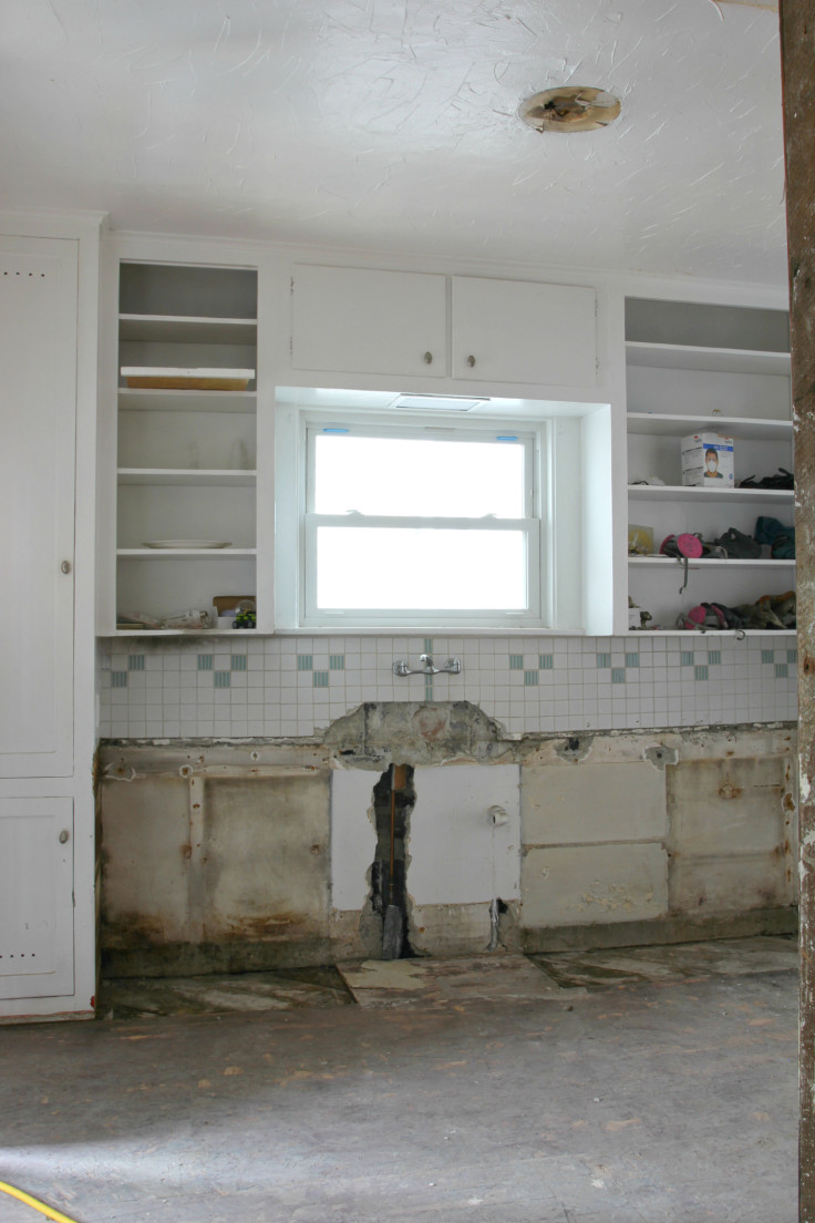 The Grit and Polish - kitchen cabinet demo