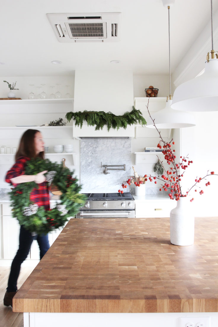 The-Grit-and-Polish-Porch-Kitchen-Xmas-3-Wreath-e1542484046791.jpg