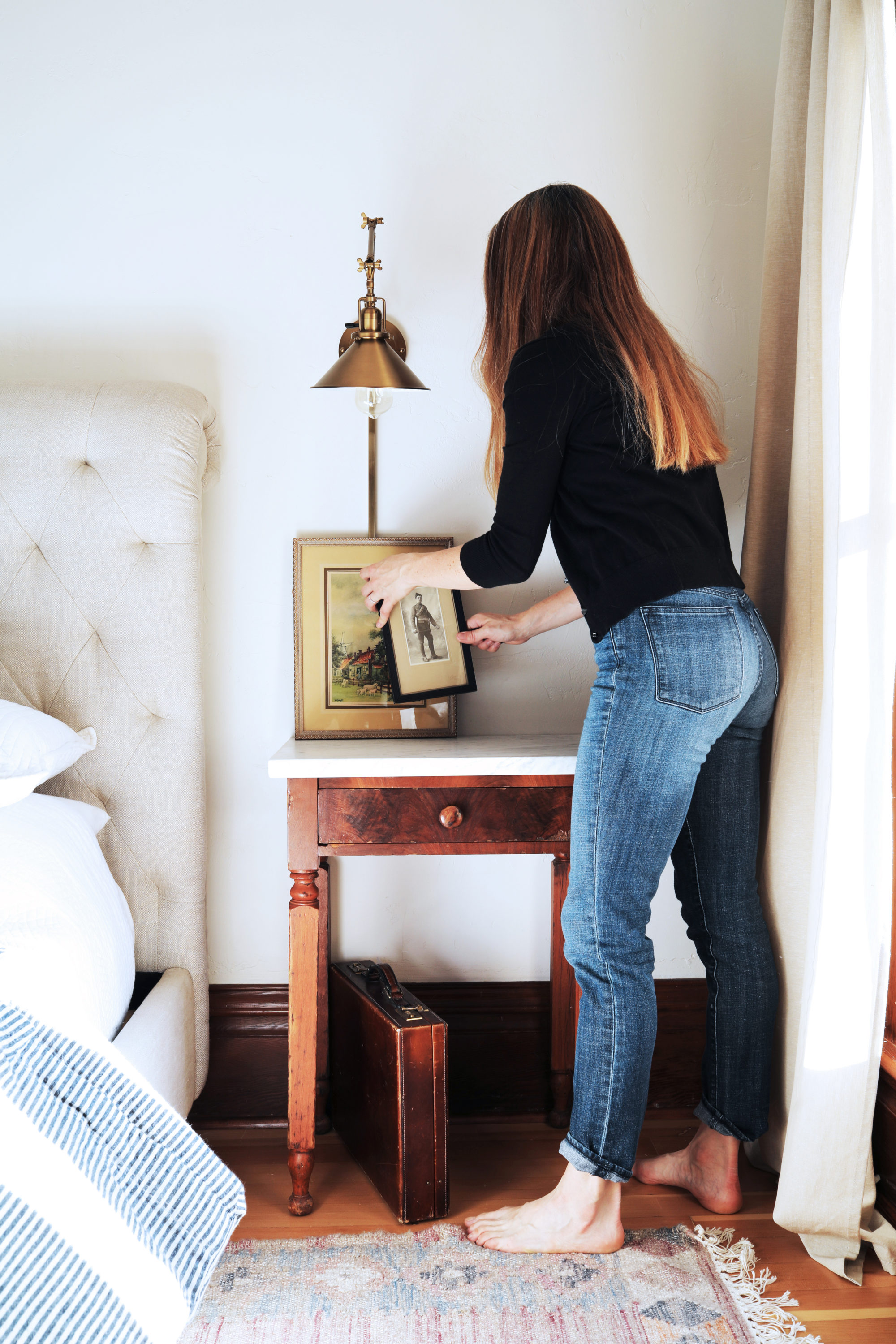 The-Grit-and-Polish-DIY-Marble-Topped-Side-Table-Styling-2-e1543274113275.jpg
