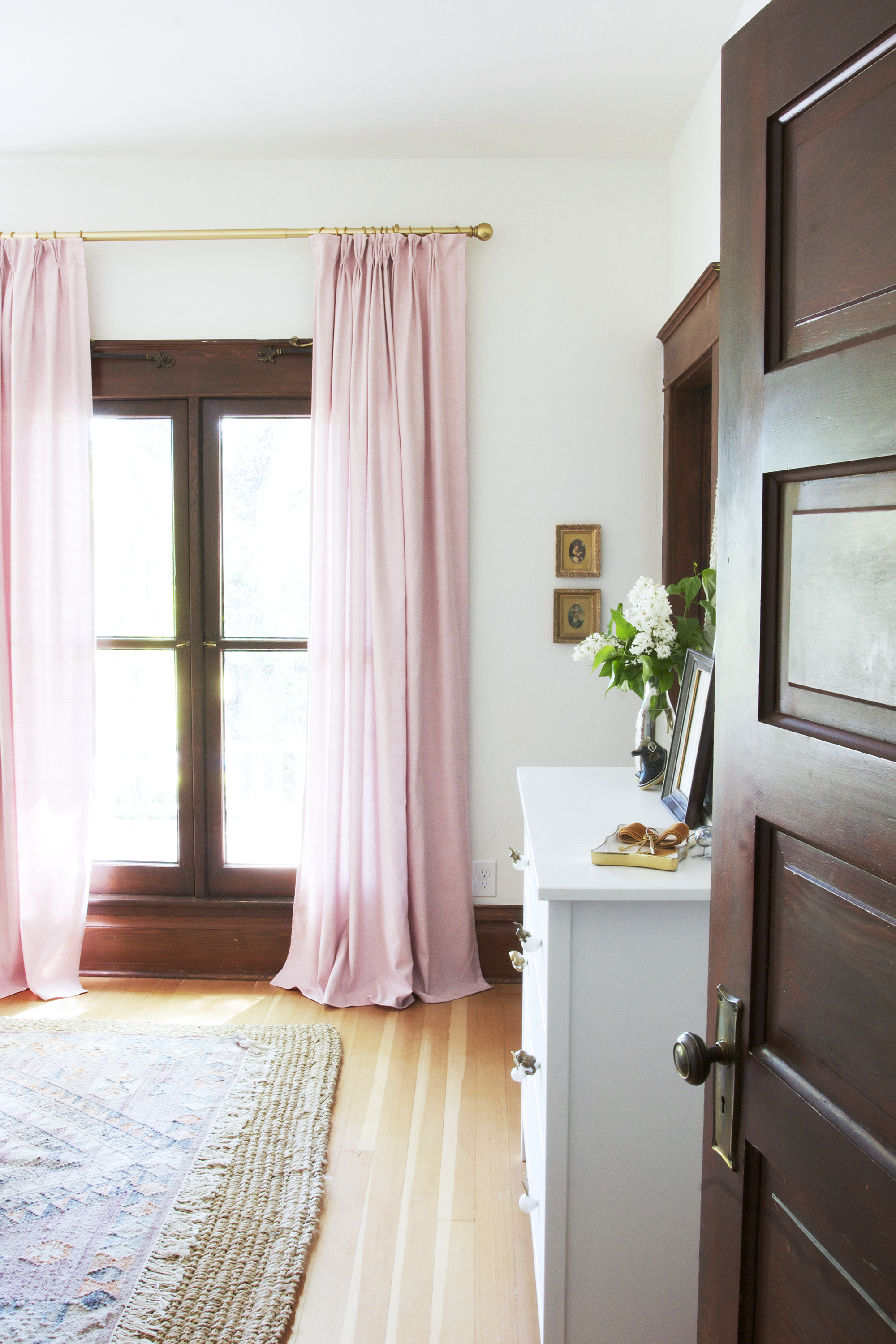 Diy Pinch Pleat Curtains How To Make Budget Ikea Curtains Look Like A Million Bucks The Grit And Polish