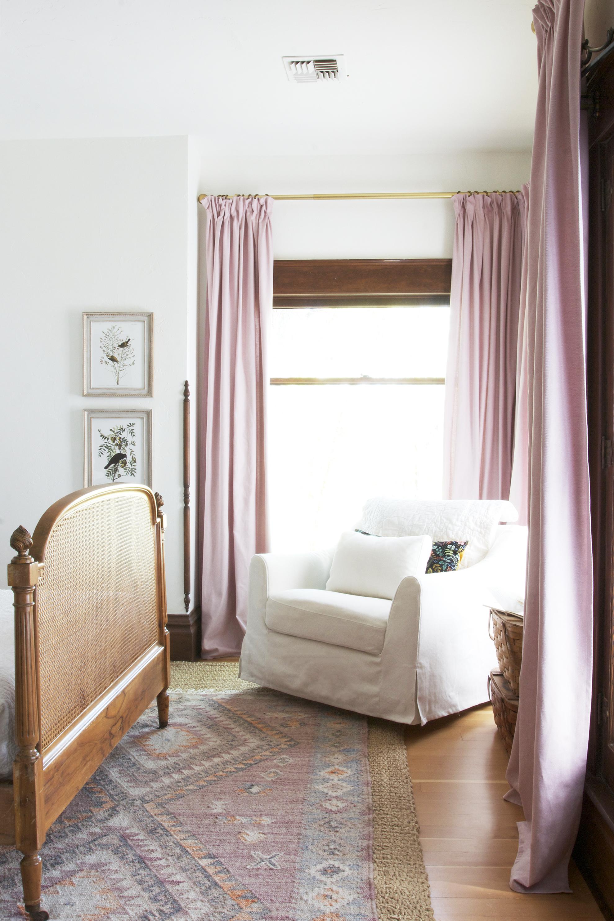 The Grit and Polish - cheap DIY Pinch Pleat curtains.jpg