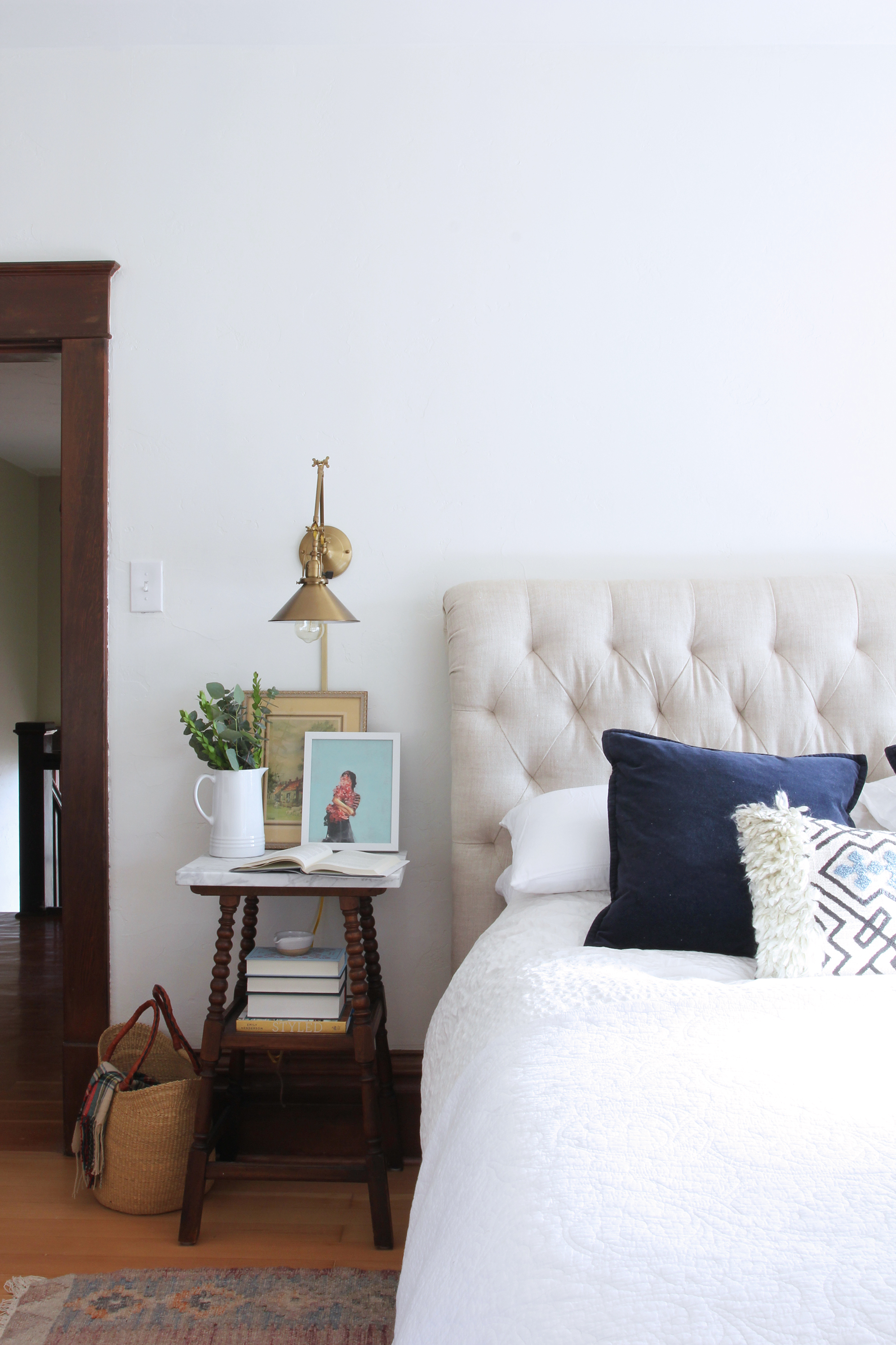 the-grit-and-polish-master-bedroom-her-nightstand