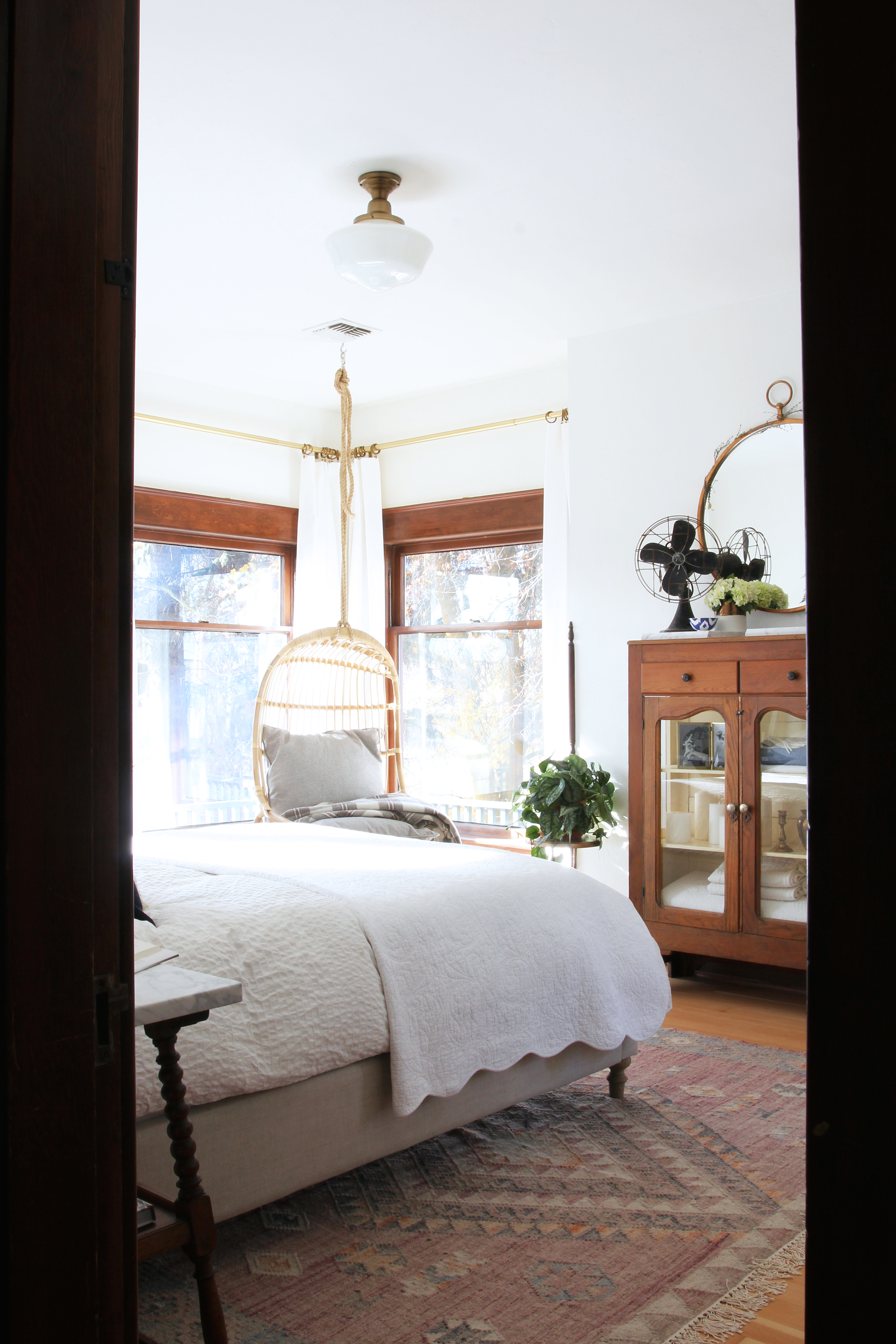 the-grit-and-polish-master-bedroom-bright