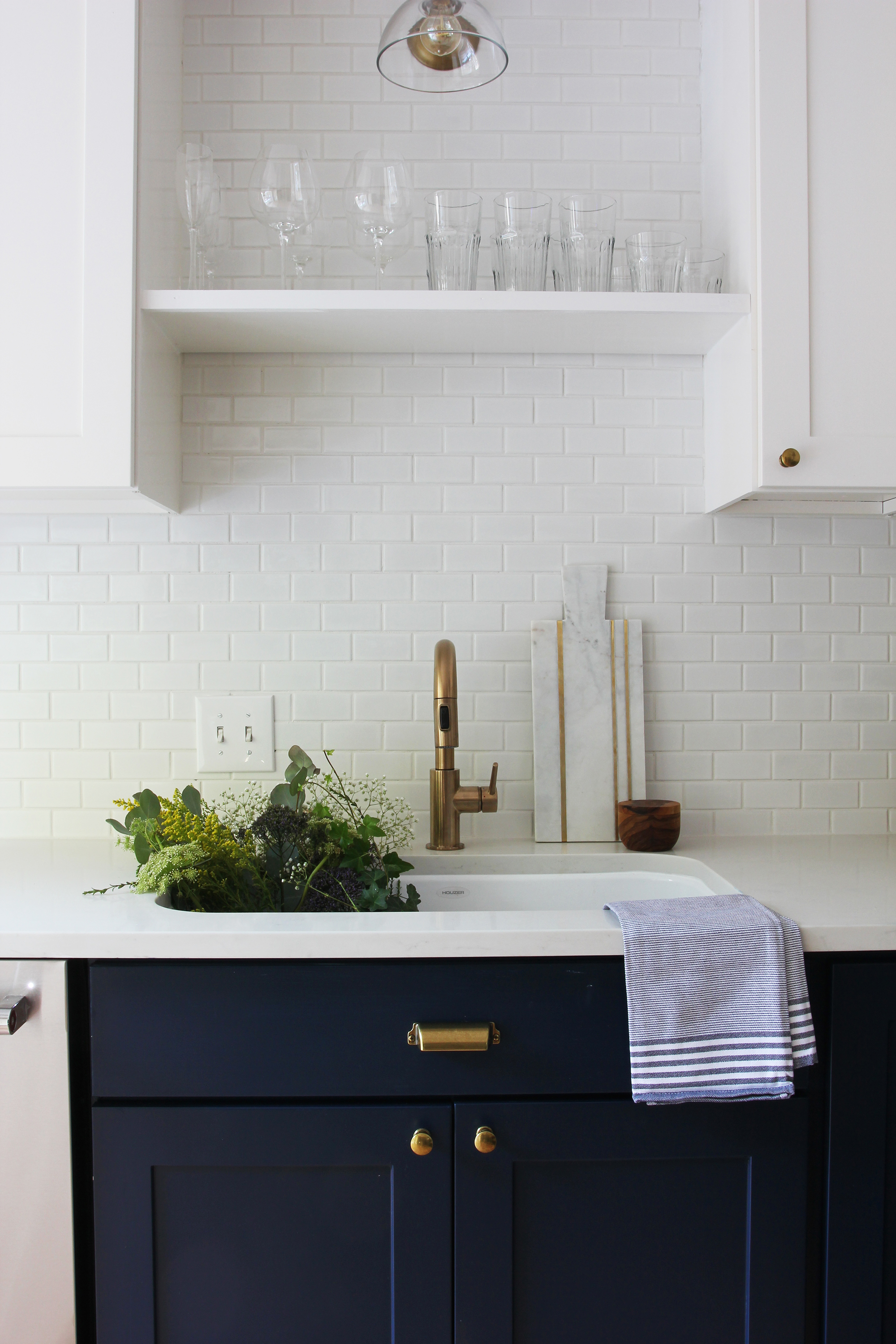 the-grit-and-polish-6-day-kitchen-sink-close