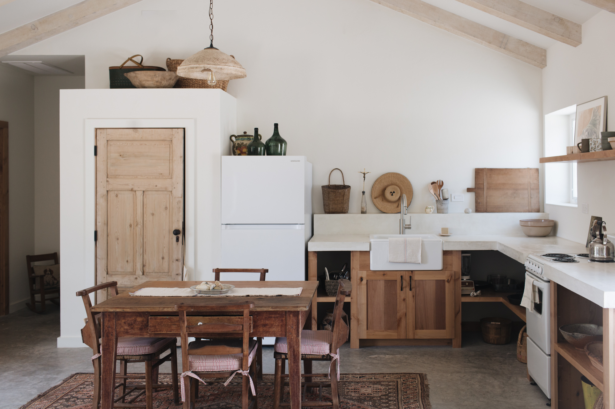 deconstructed kitchens // Kate Zimmerman Turpin via Camille Styles // via the Grit and Polish