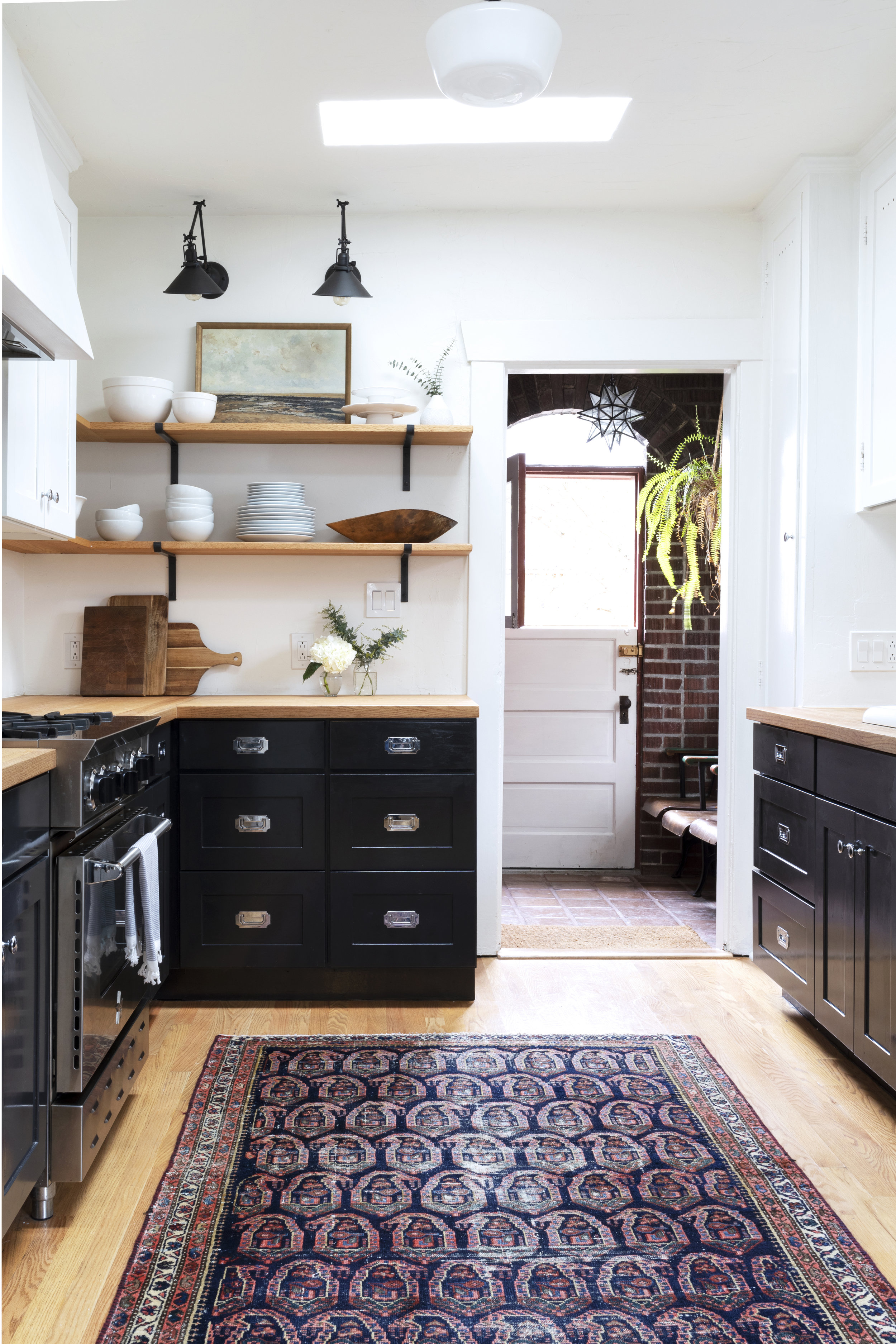 Black, White, and Wood Kitchen at the Dexter House // the Grit and Polish
