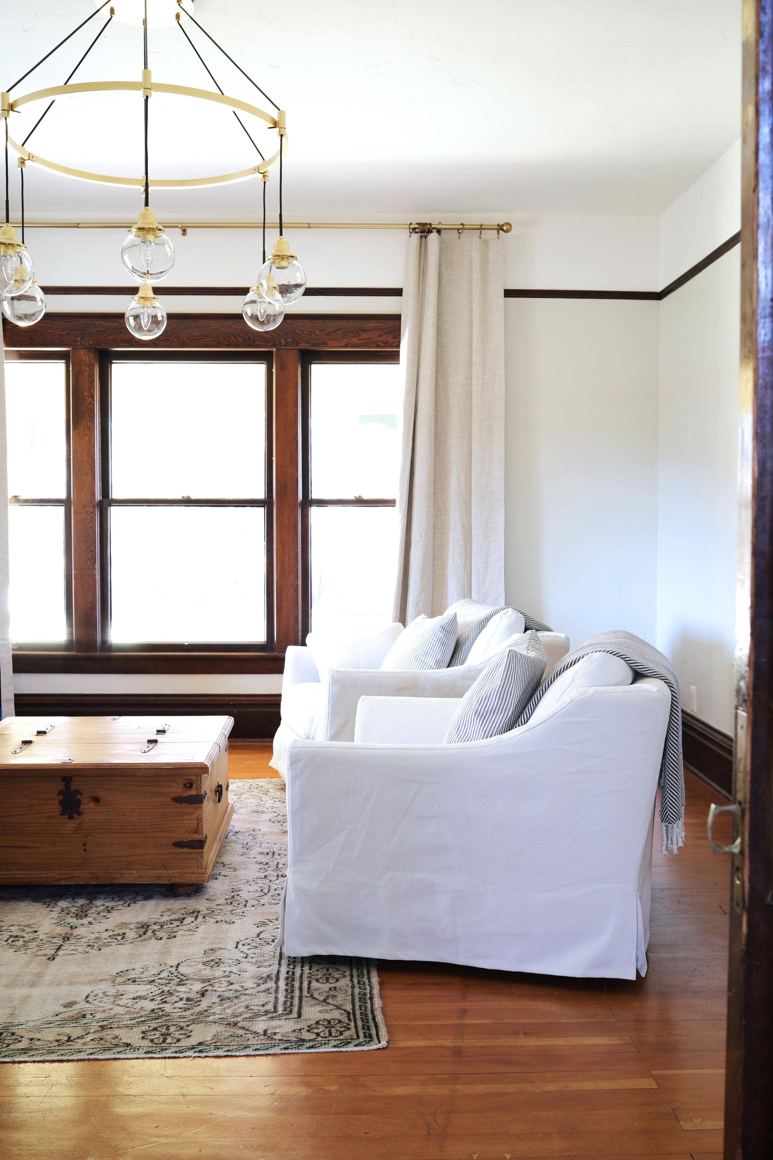 The Grit and Polish - Farmhouse Living Room 7.jpg