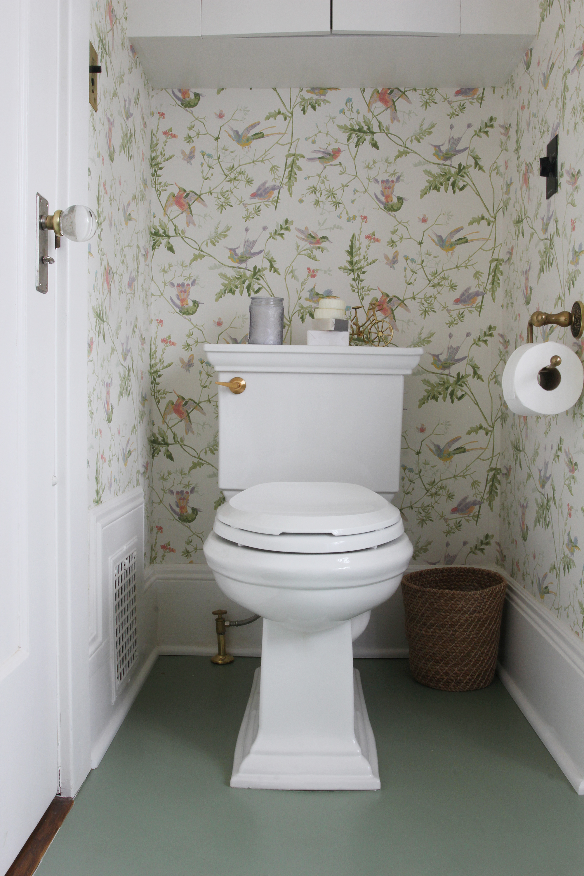 The Grit and Polish - Winnies Bathroom toilet 2.jpg