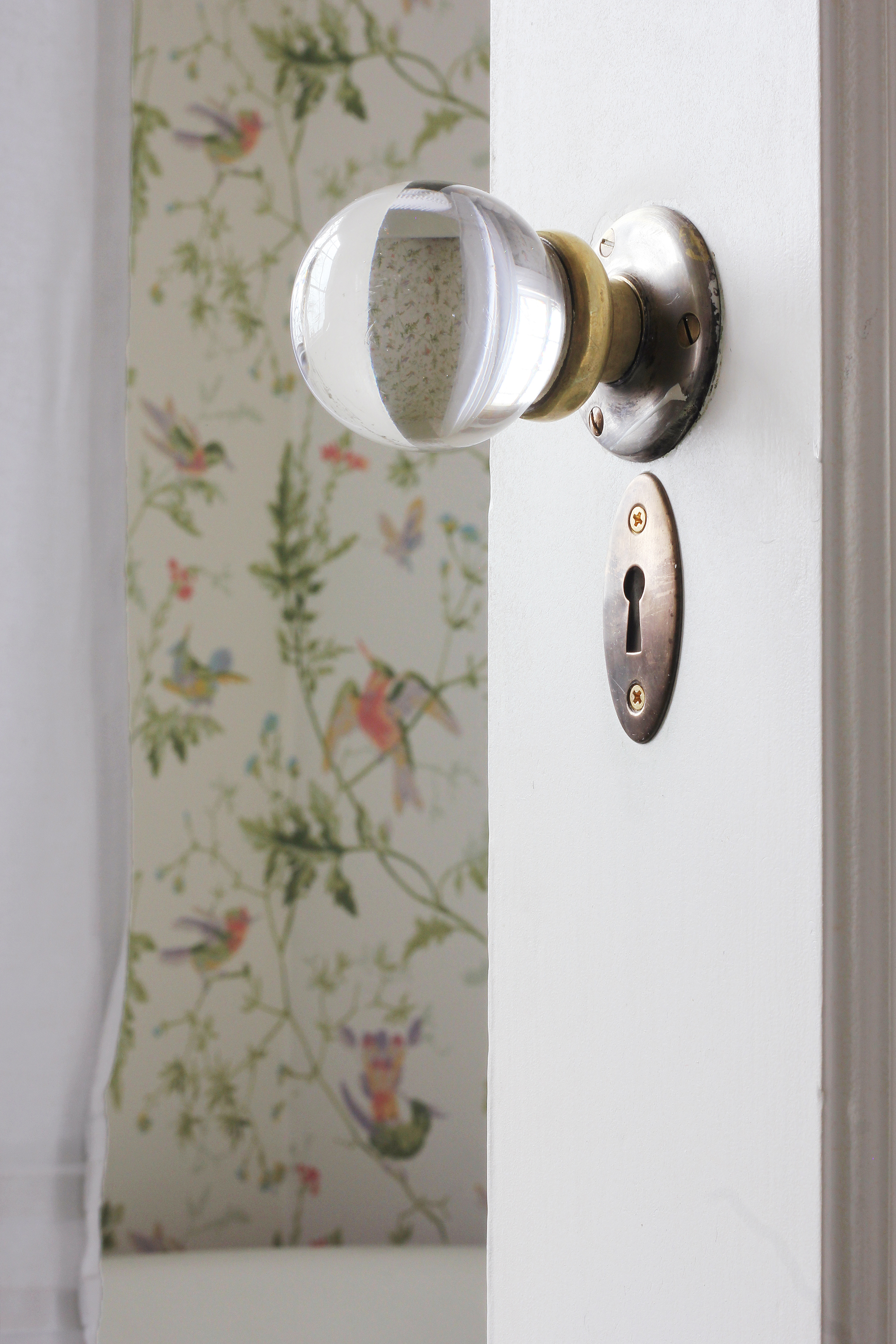 The Grit and Polish - Winnies Bathroom door knob with curtain.jpg