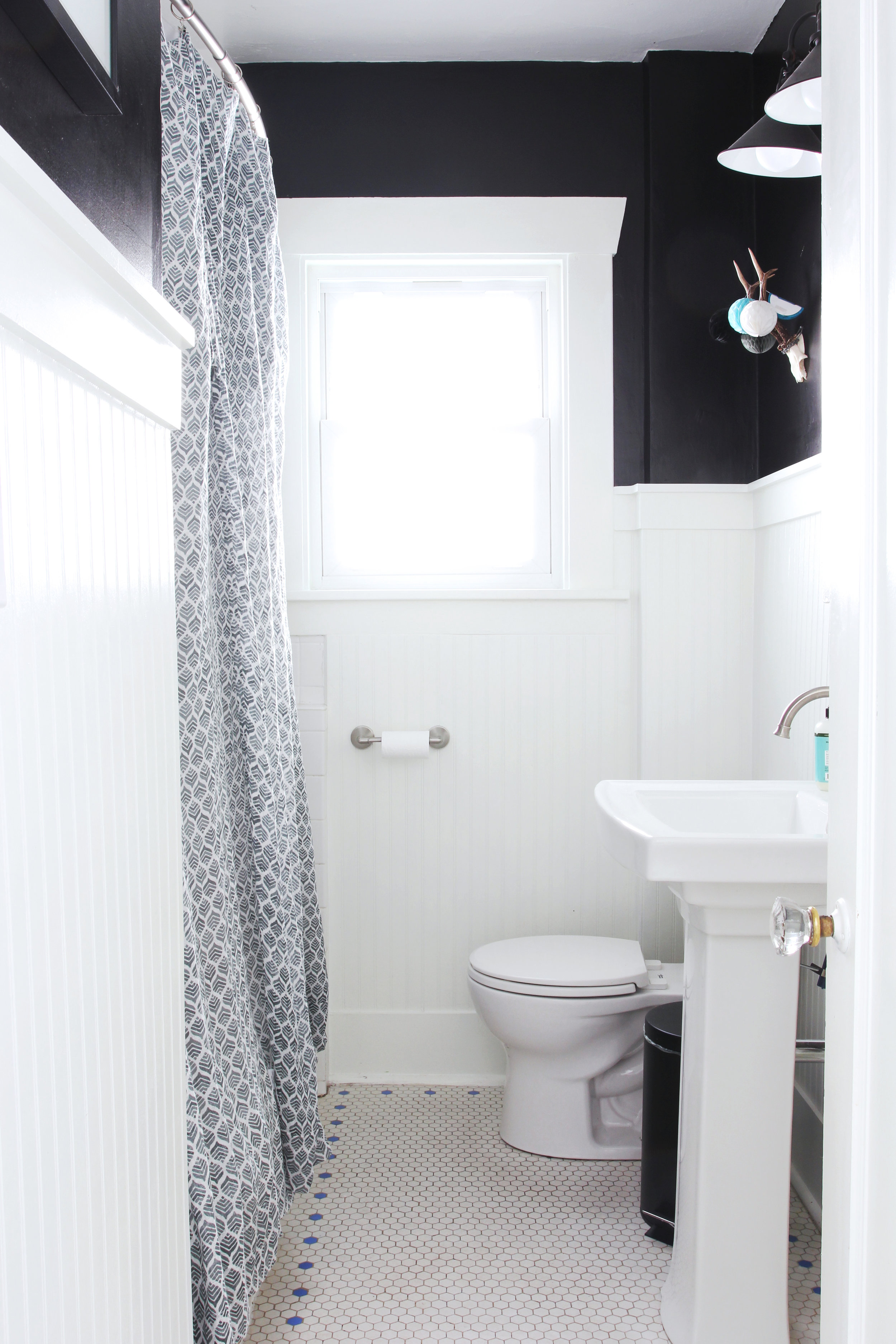 A Bathroom Remodel For Under $1000 at the Dexter House ...