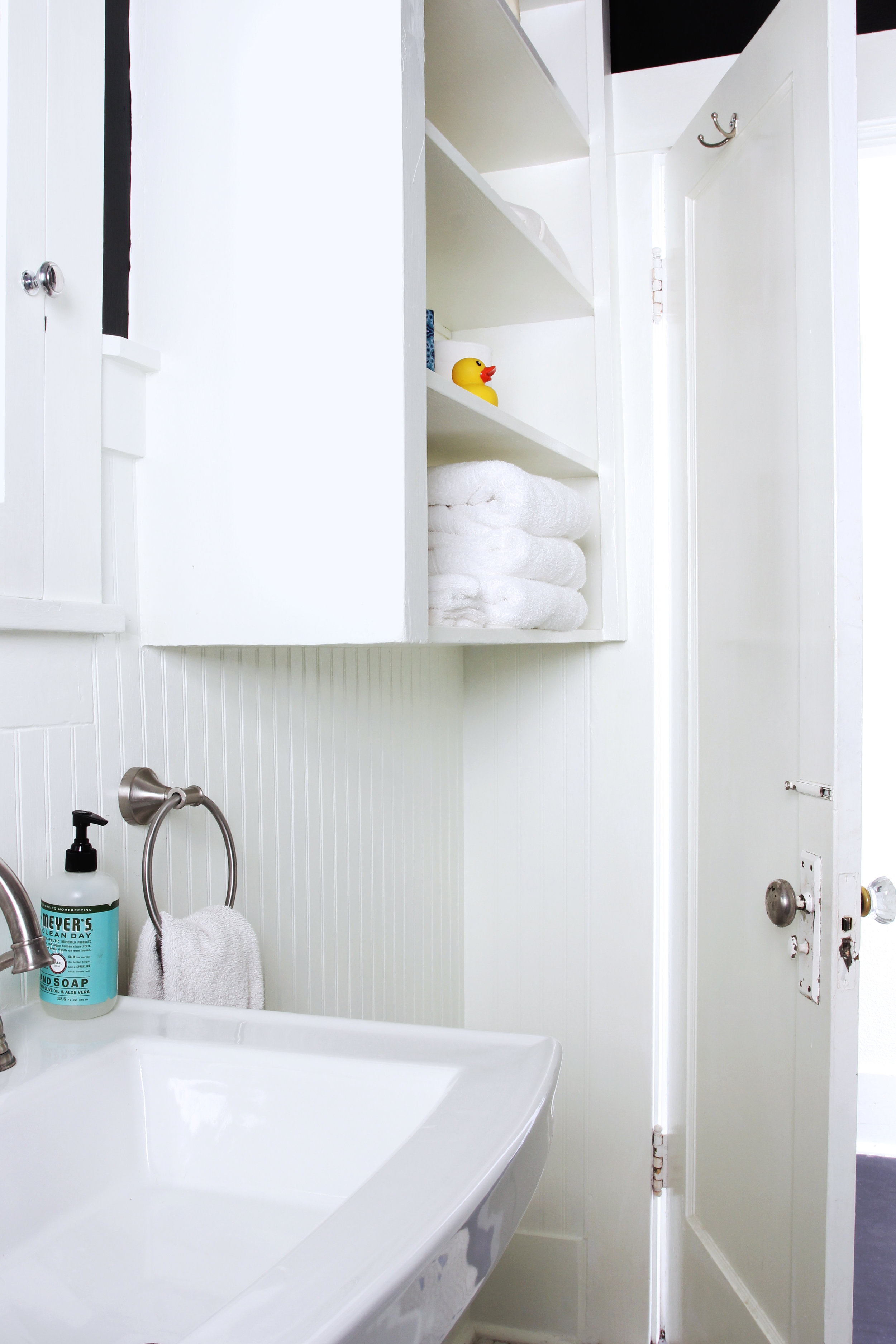 The Grit and Polish - Dexter Bathroom Refresh Under $1000 4.jpg