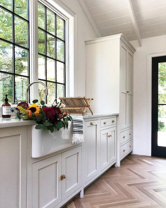 simple offerings kitchen.jpg