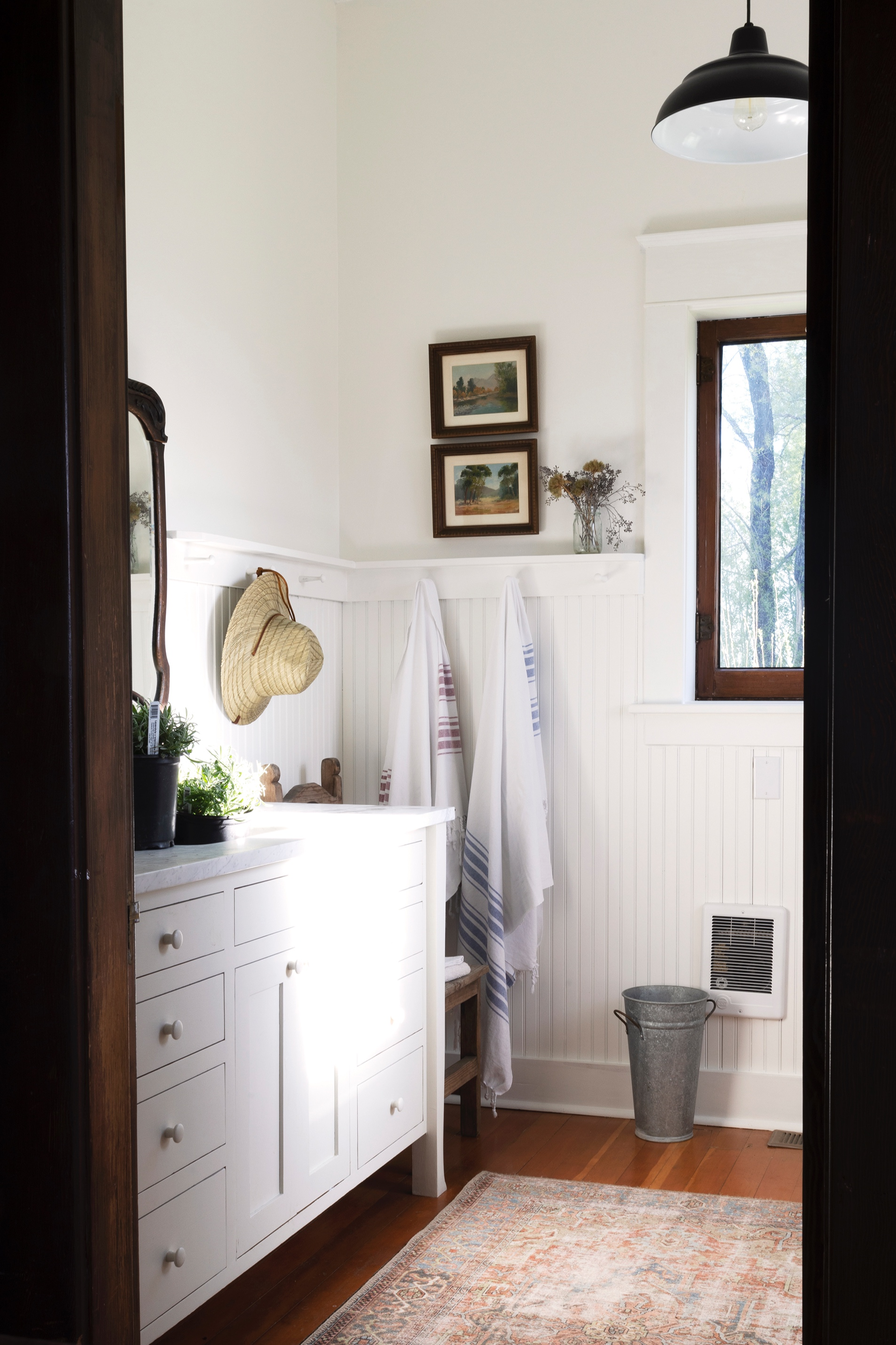The+Grit+and+Polish+-+Farmhouse+Bathroom+Big+Lavendar+in+Sink+SUN+3.3.jpg