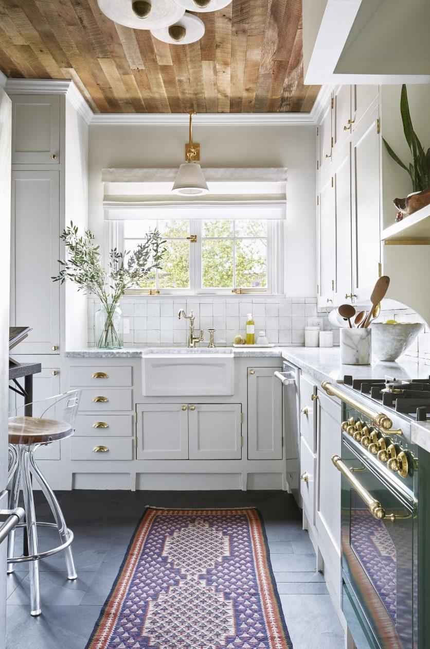 Murphy Design White kitchen.jpg