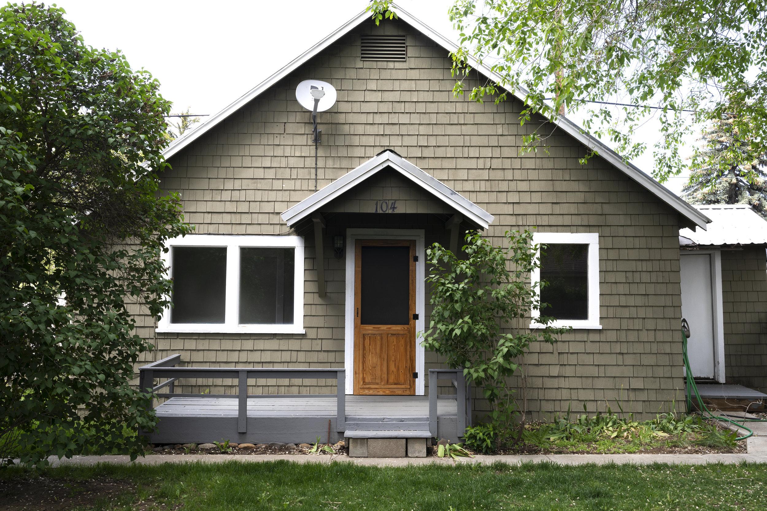 The Grit and Polish - Poplar Cottage Exterior 2.jpg