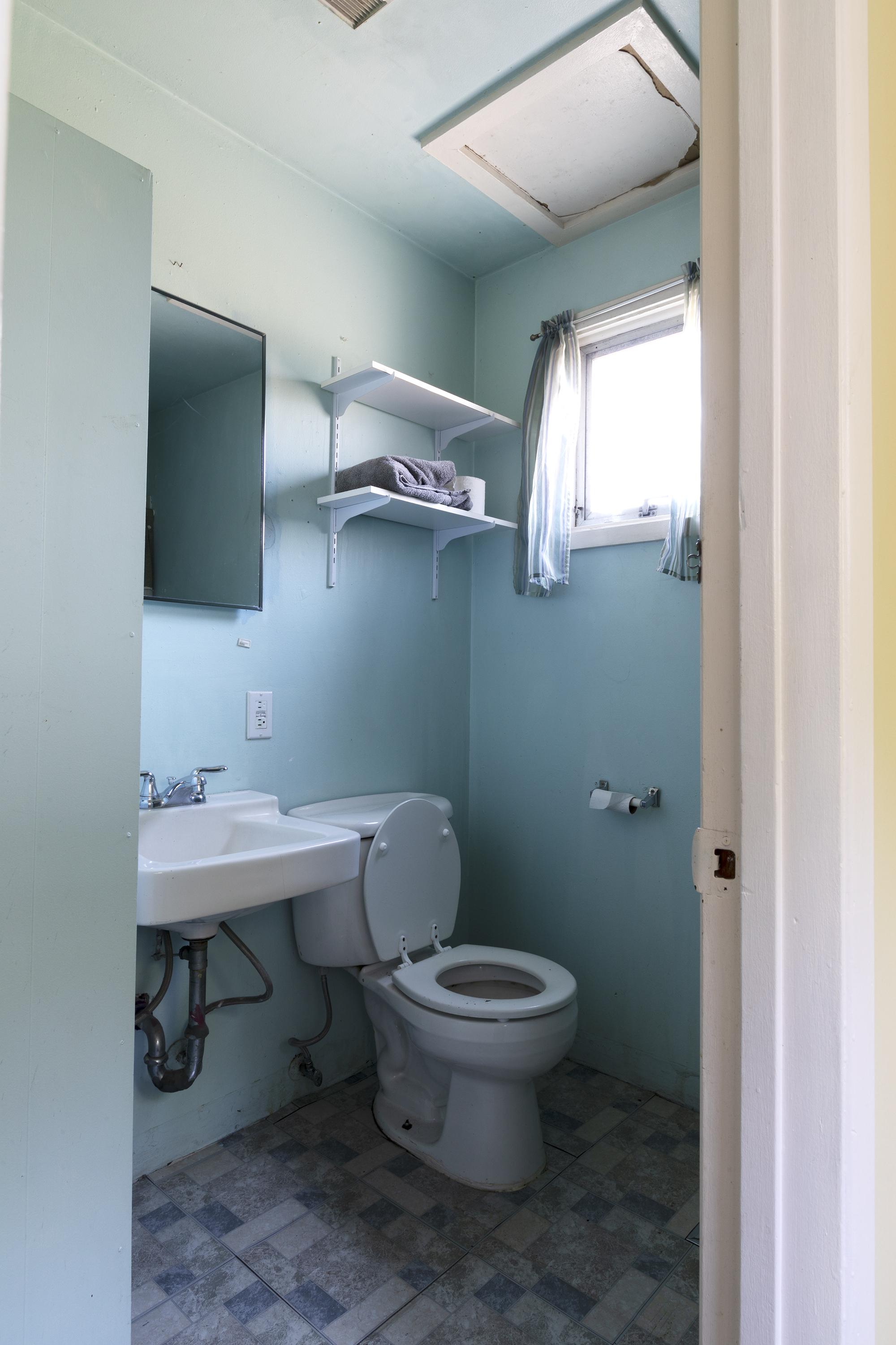 The Grit and Polish - Poplar Cottage Bathroom 3.jpg