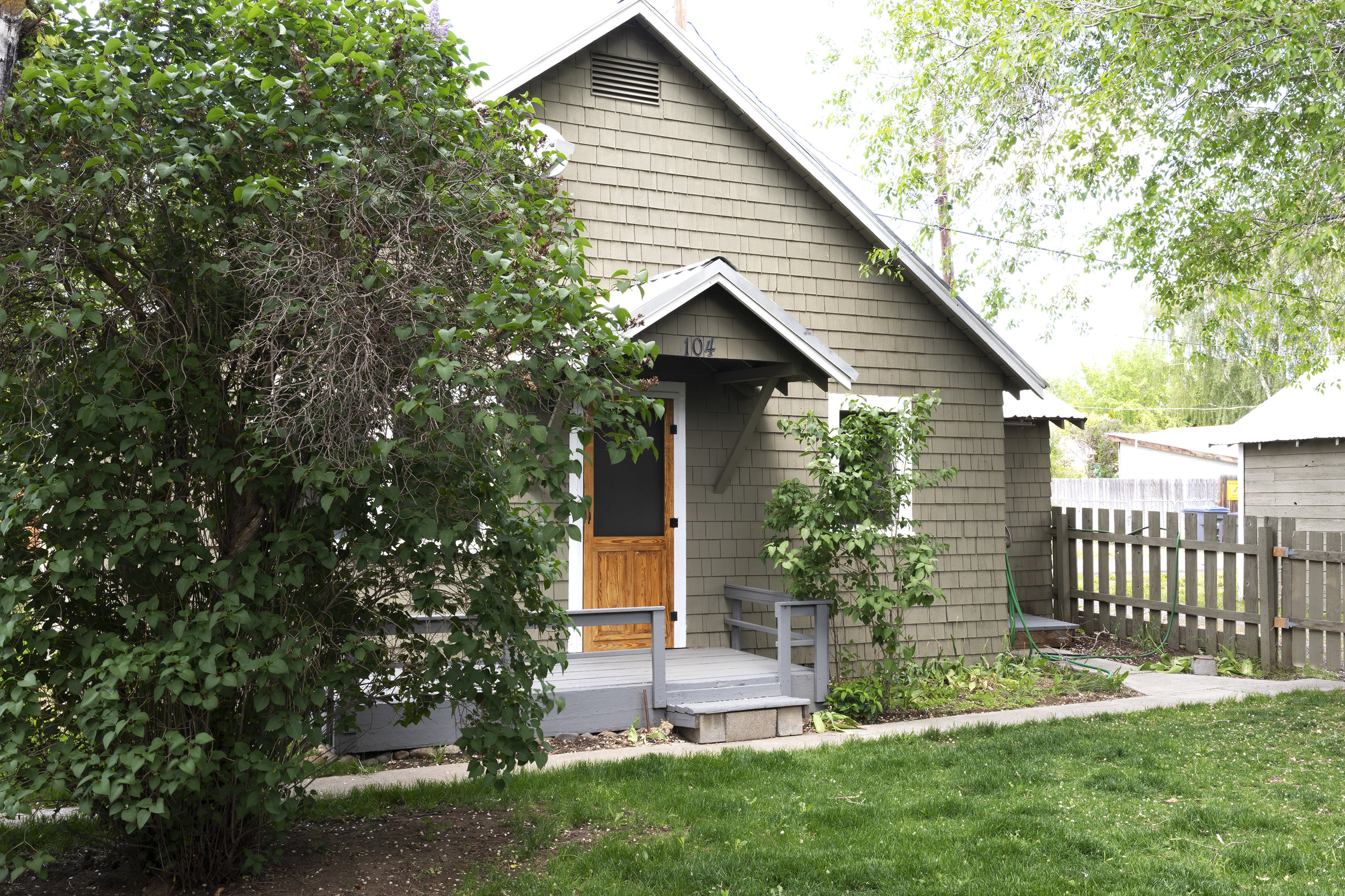 The Grit and Polish - Poplar Cottage Exterior 1.jpg