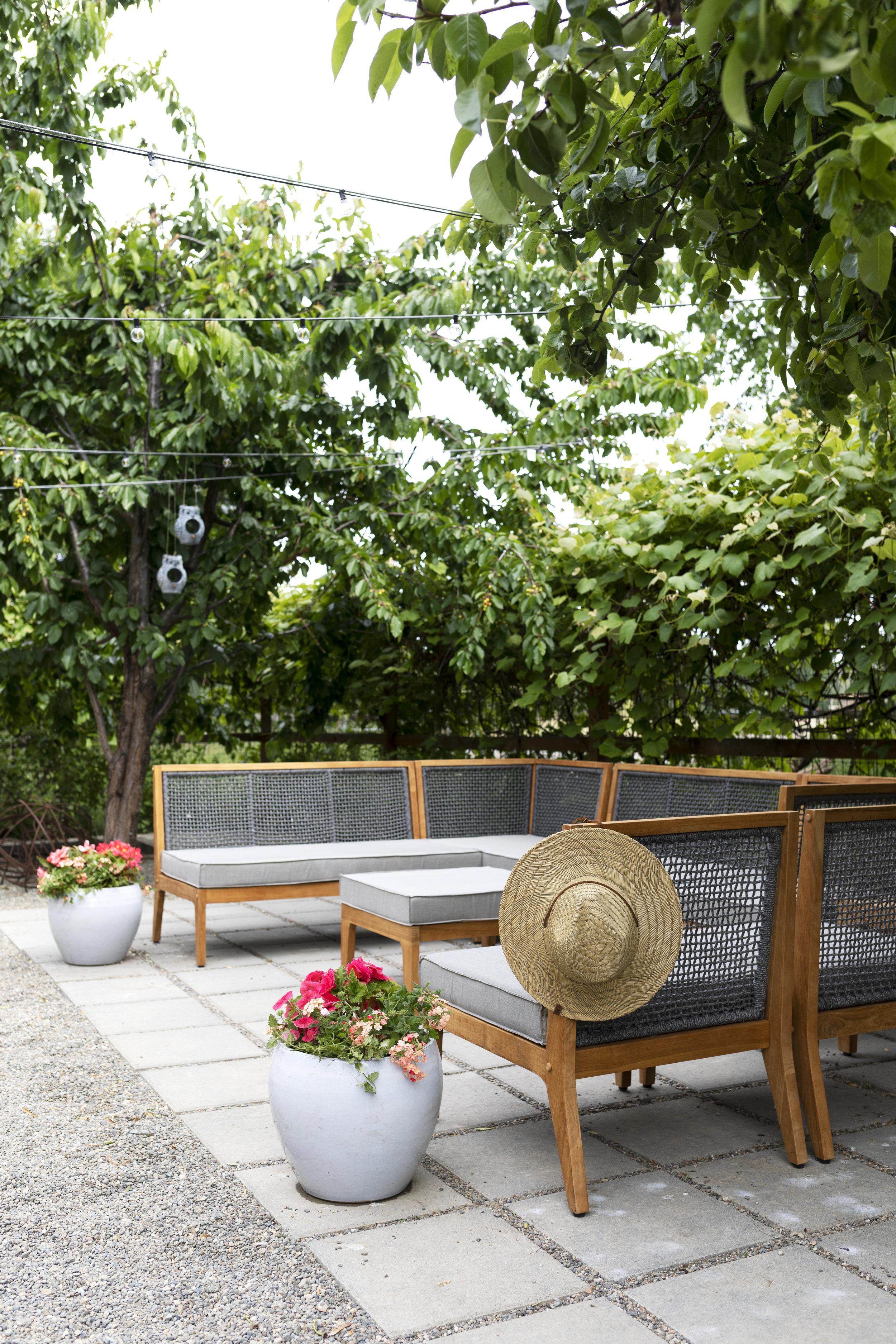 The Grit and Polish - Farmhouse Garden Patio Furniture 7.jpg