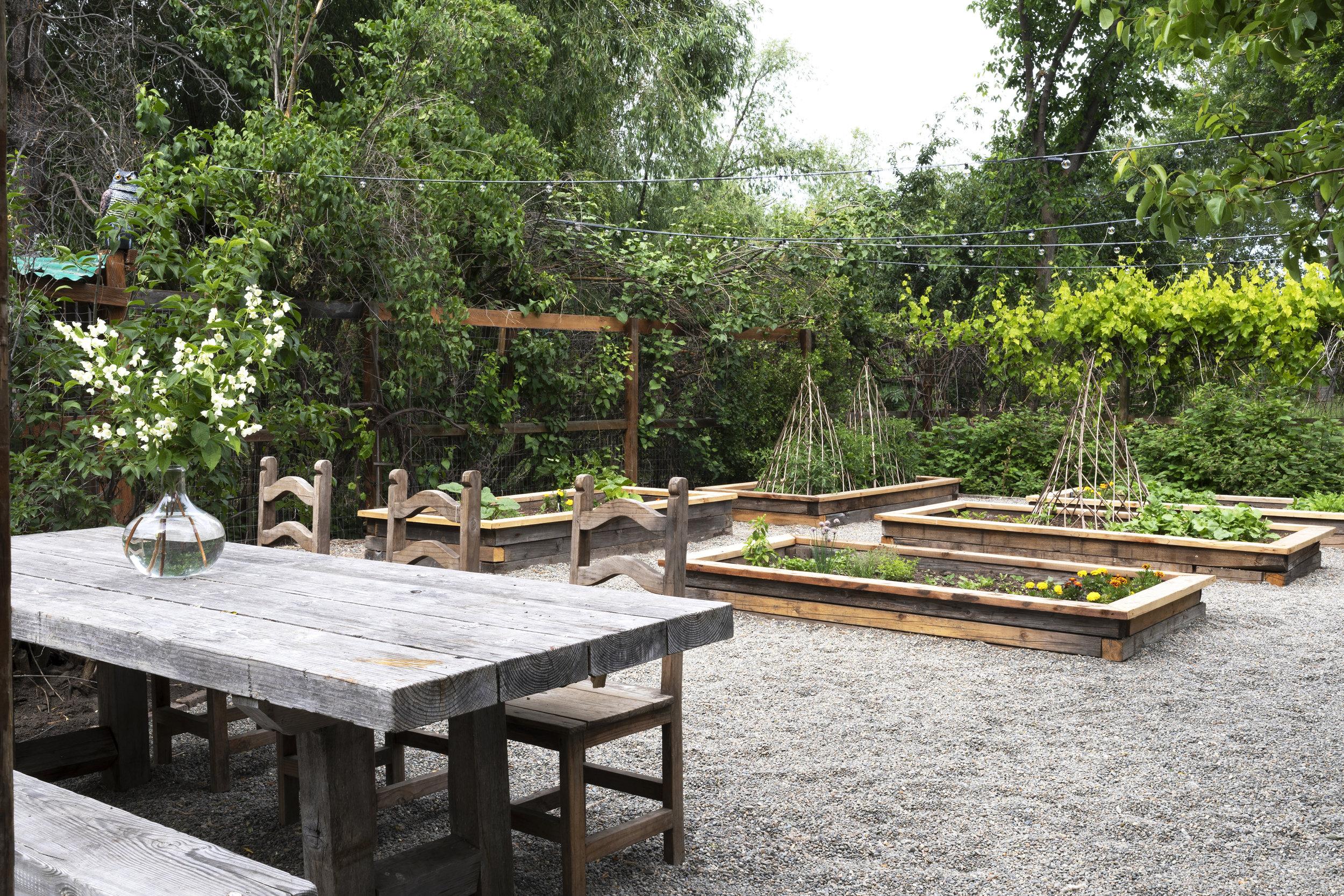 The Grit and Polish - Farmhouse Garden Raised Beds 4.1 SM.jpg