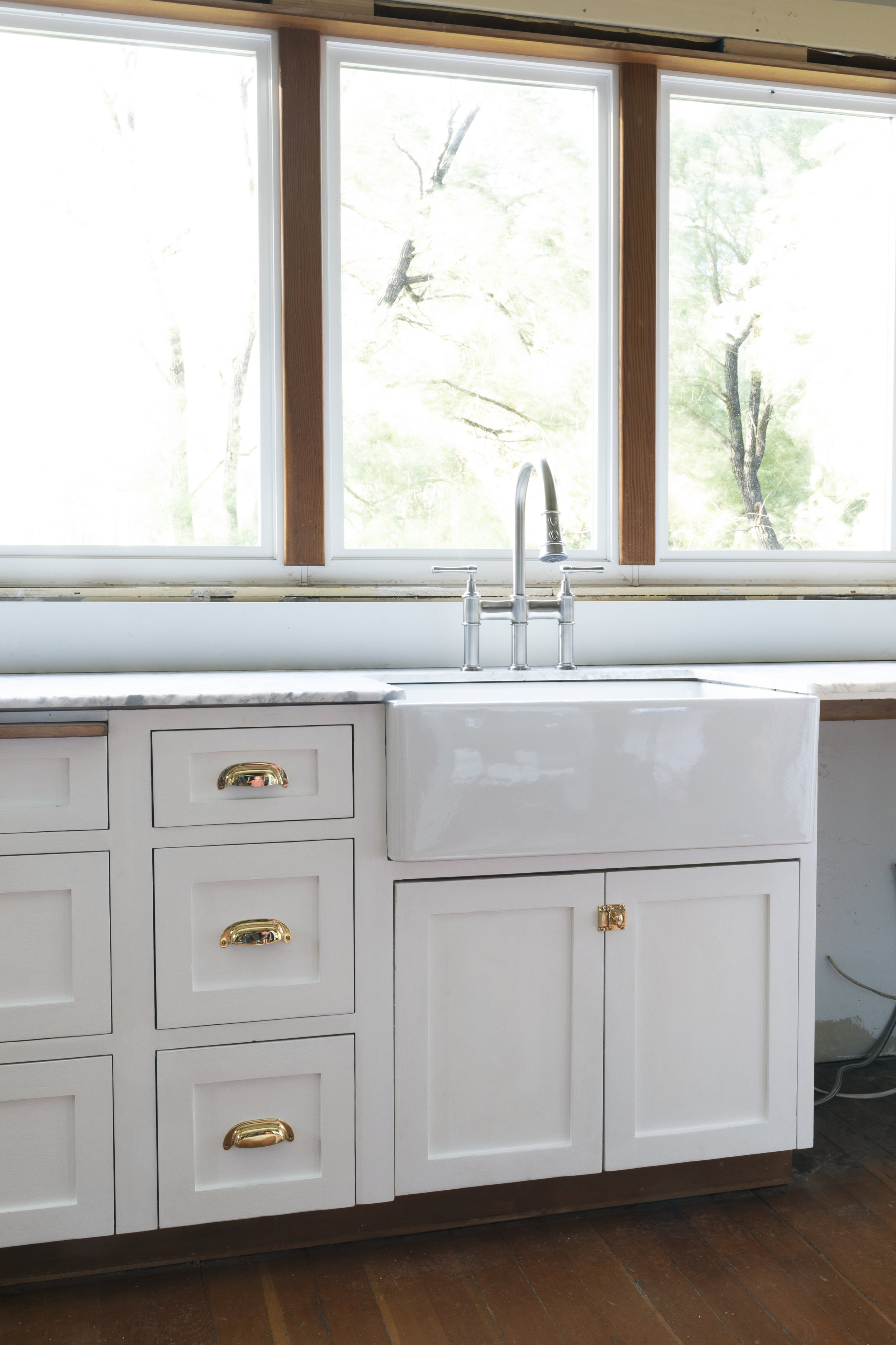 The Grit and Polish - Farmhouse Kitchen Update Elkay Sink + Faucet 5 SM.jpg