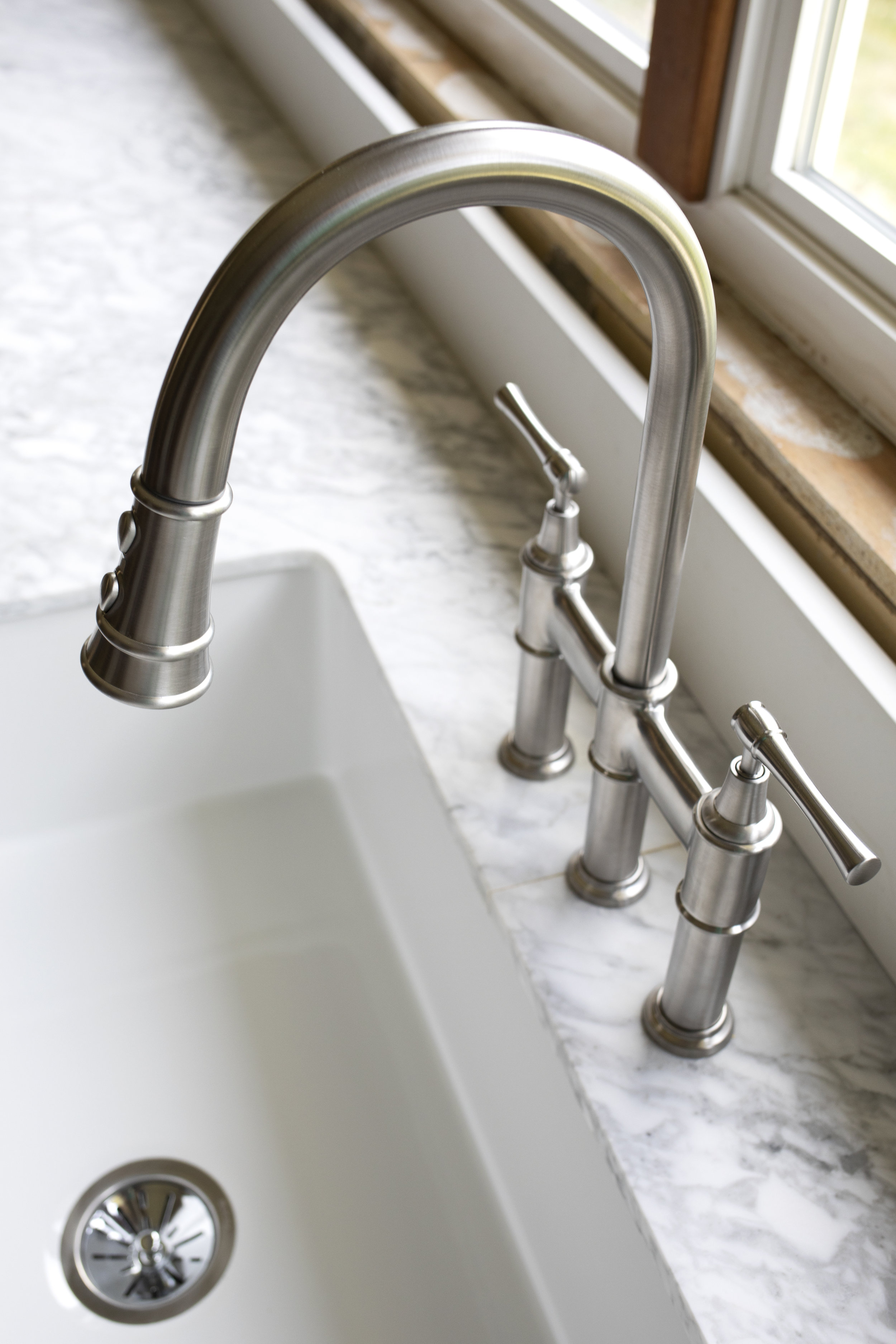 The Grit and Polish - Farmhouse Kitchen Update Elkay Faucet 2.jpg