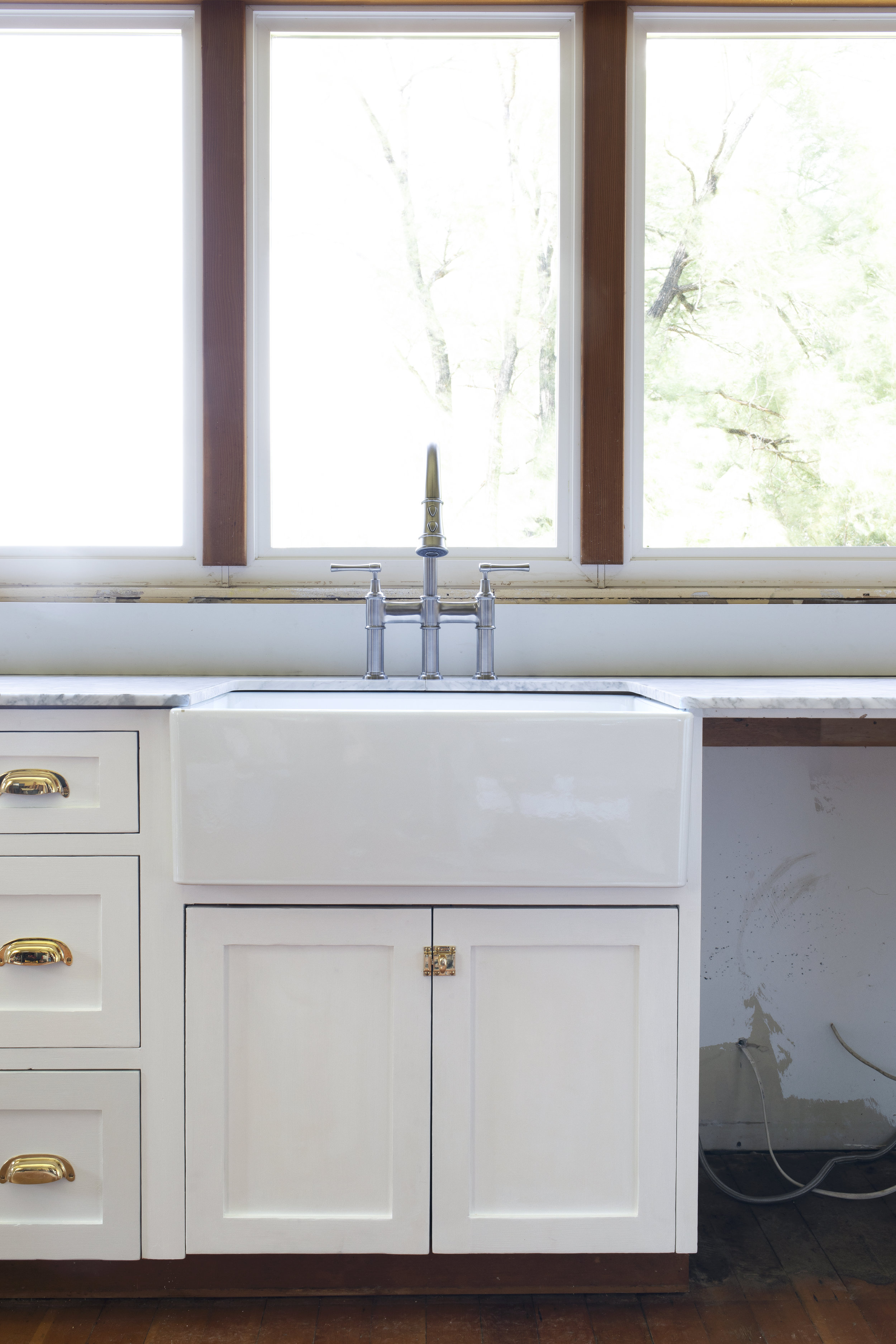The Grit and Polish - Farmhouse Kitchen Update Elkay Sink + Faucet 1.2.jpg