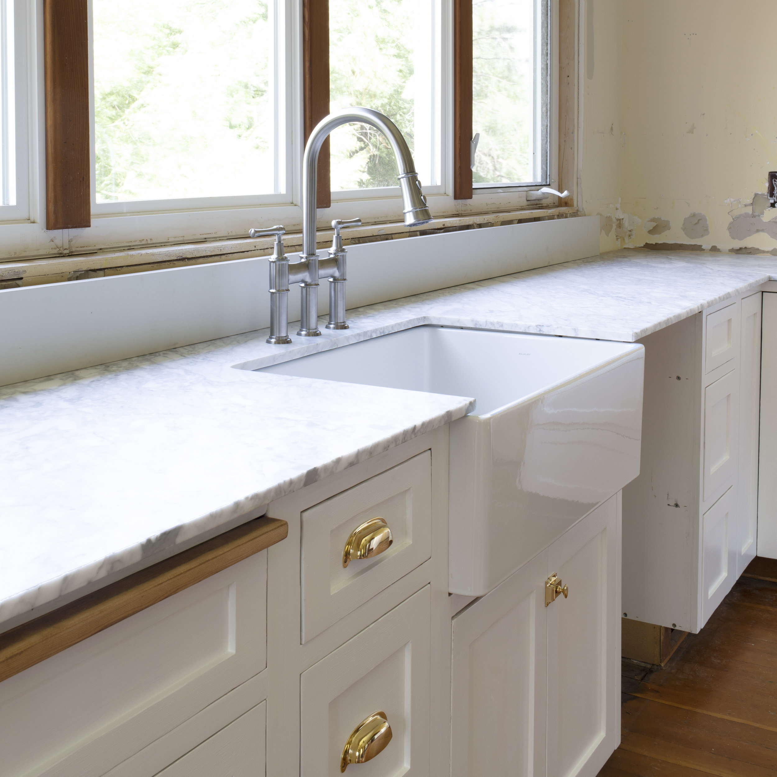 The Grit and Polish - Farmhouse Kitchen Update Countertops.jpg