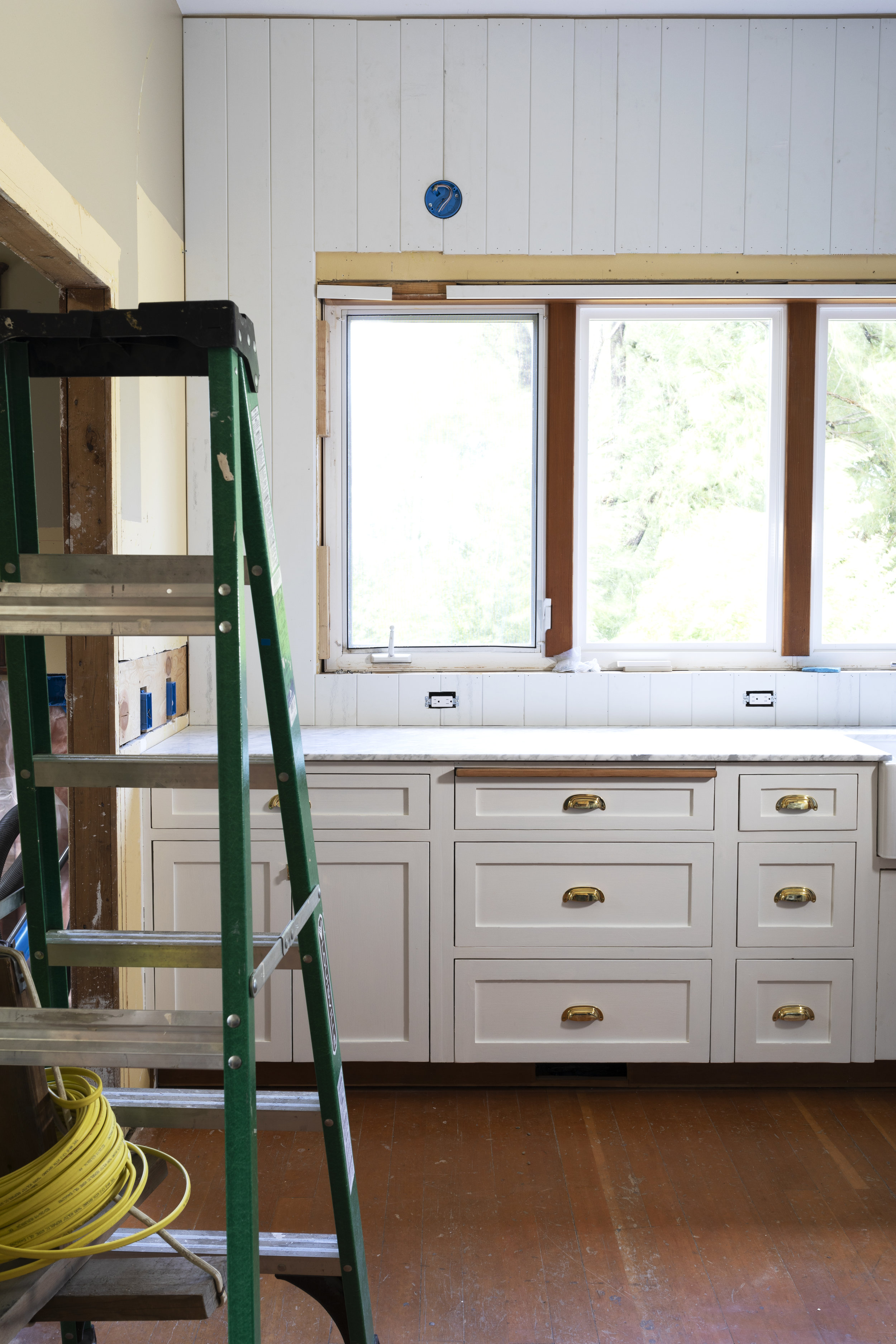 The Grit and Polish - Farmhouse Kitchen July Update Ladder.jpg
