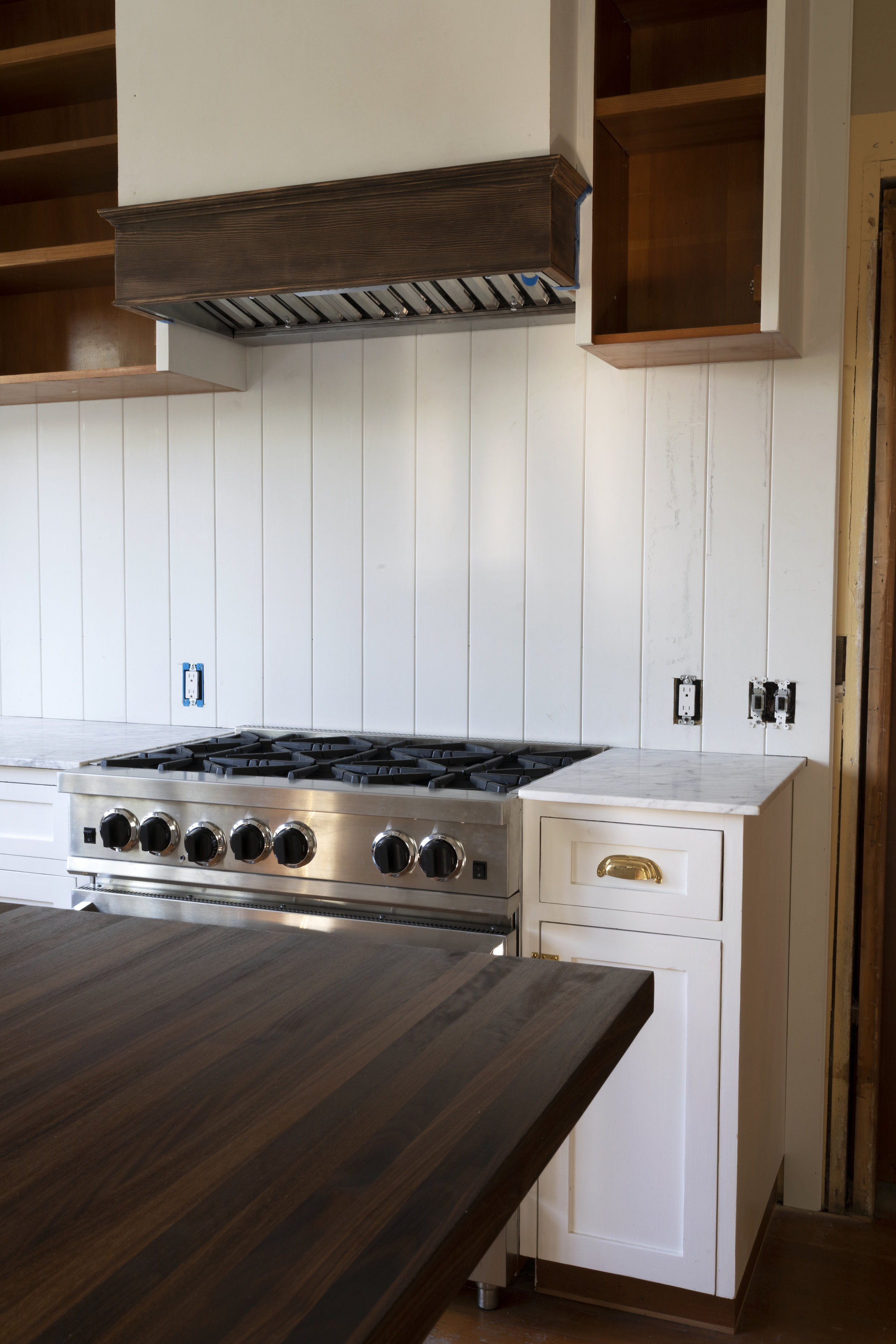 The Grit and Polish - Farmhouse 08-24 Kitchen Update Range Hood.jpg