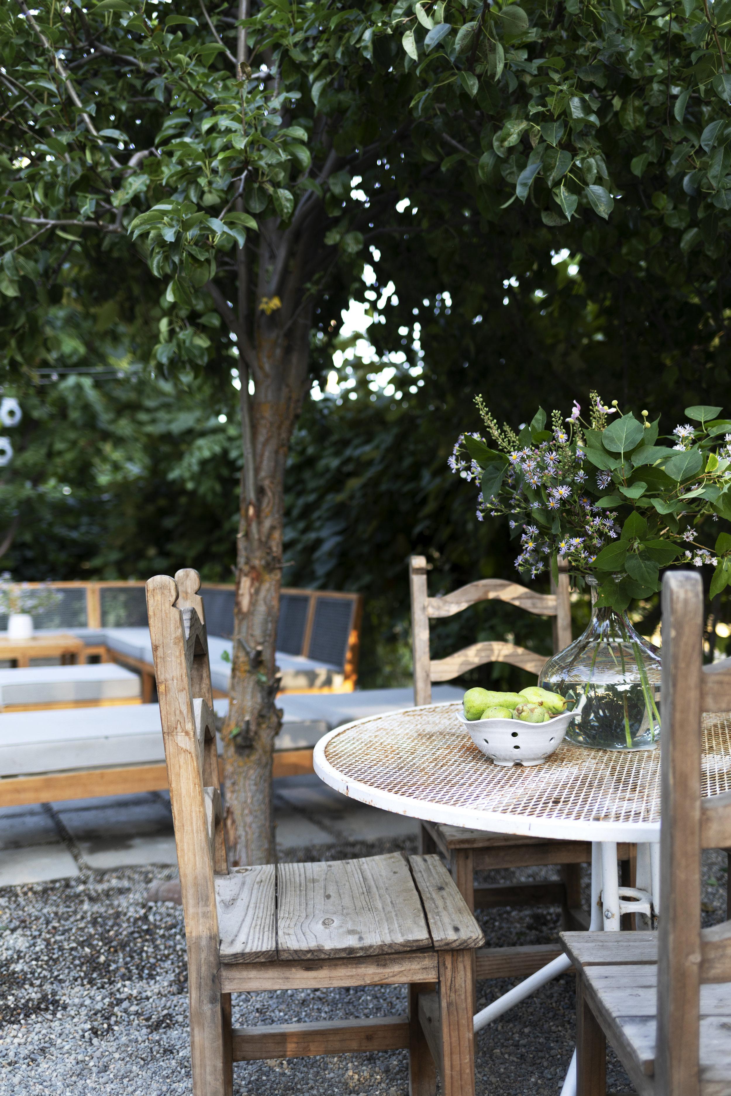 The Grit and Polish - Farmhouse Garden Table.jpg