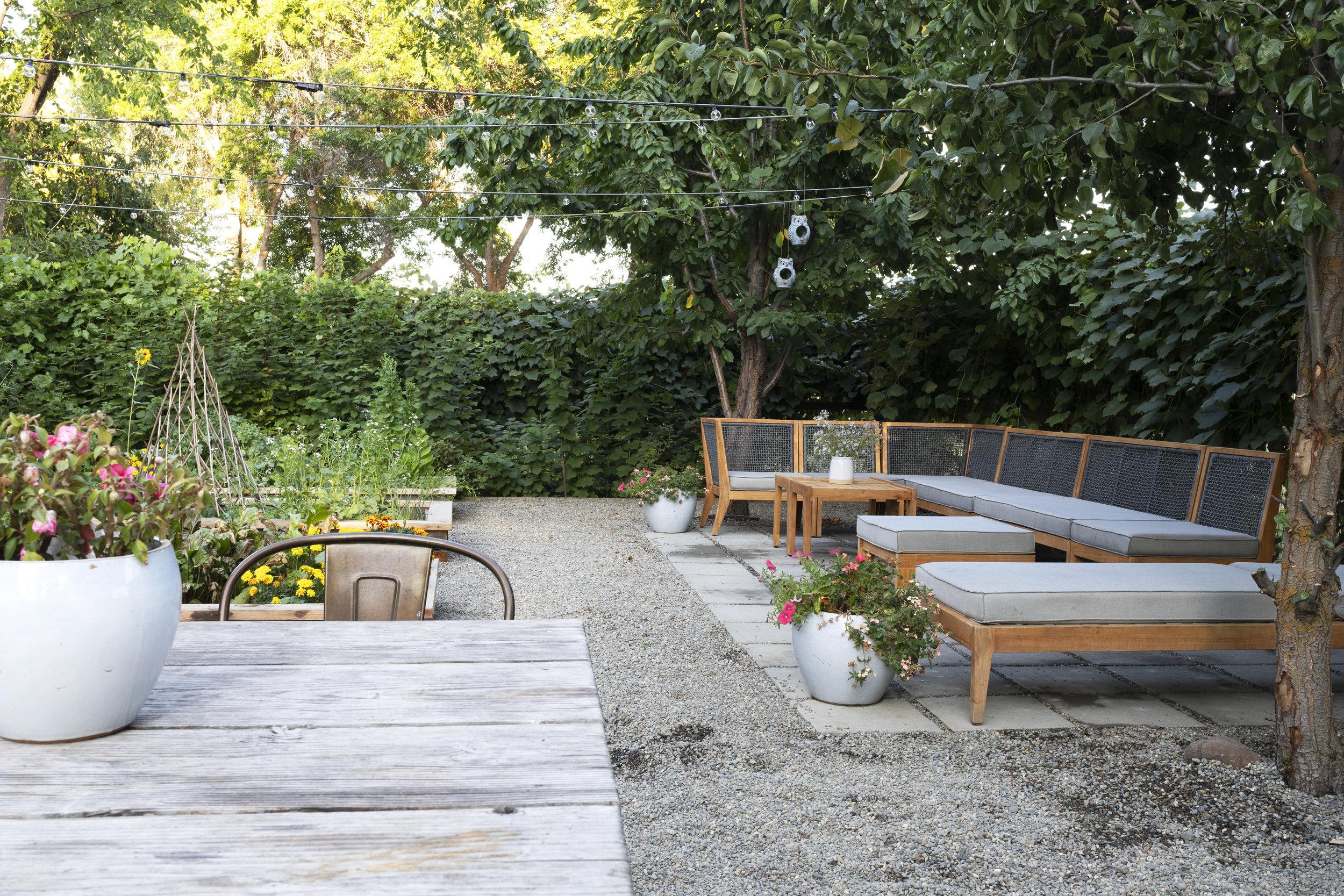 The Grit and Polish - Farmhouse Garden Patio Table + Plants 2.jpg
