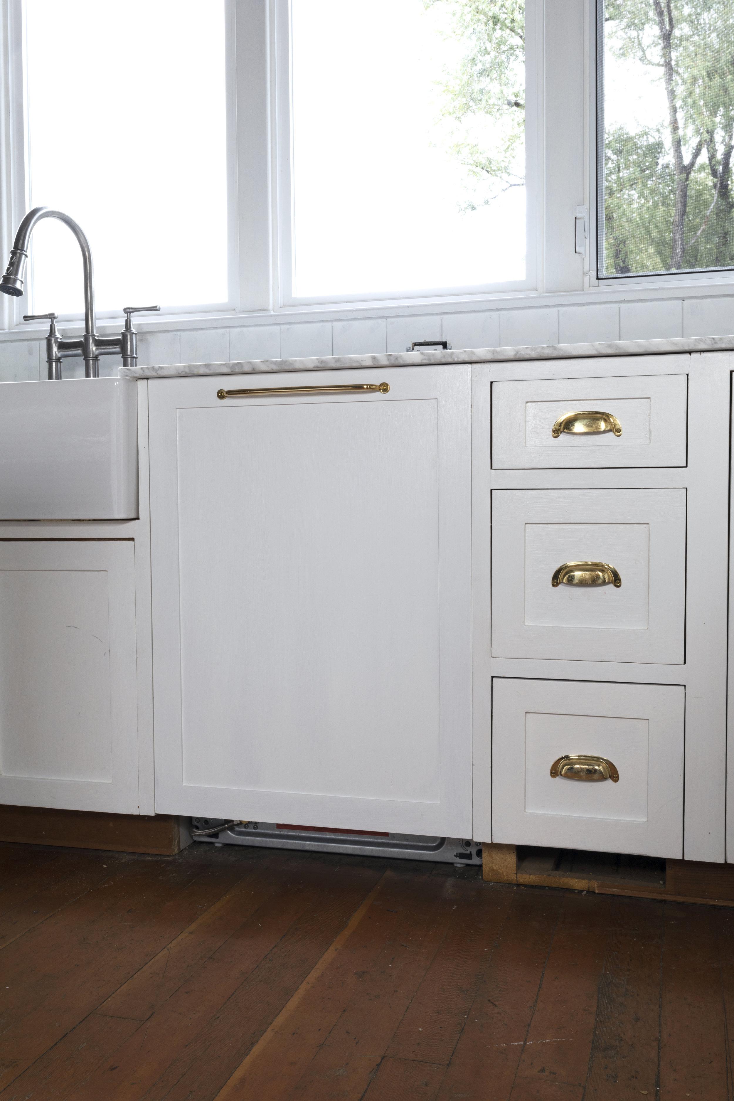 The Grit and Polish - Panel Ready Dishwasher 3.jpg