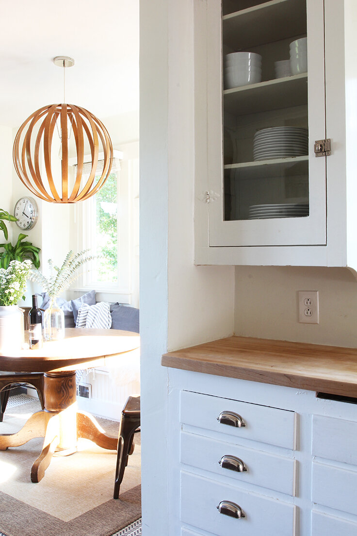 The Grit and Polish - Bryant Airbnb Kitchen to Dining