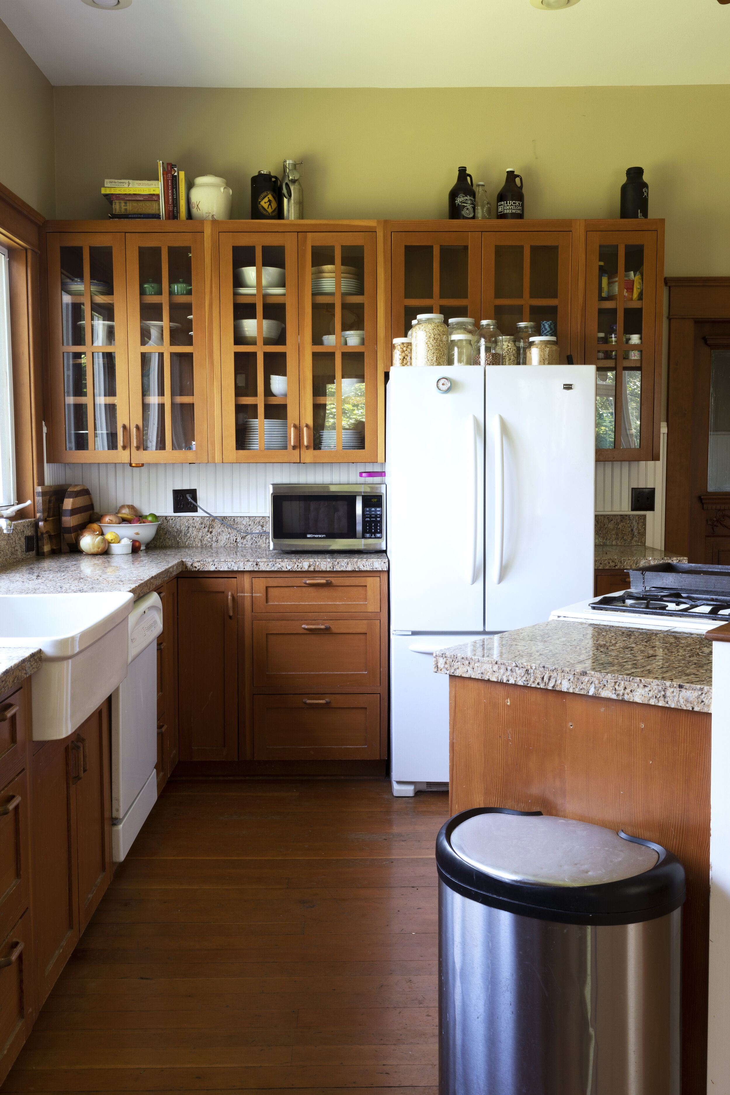 The Grit and Polish - Farmhouse Kitchen BEFORE.jpg