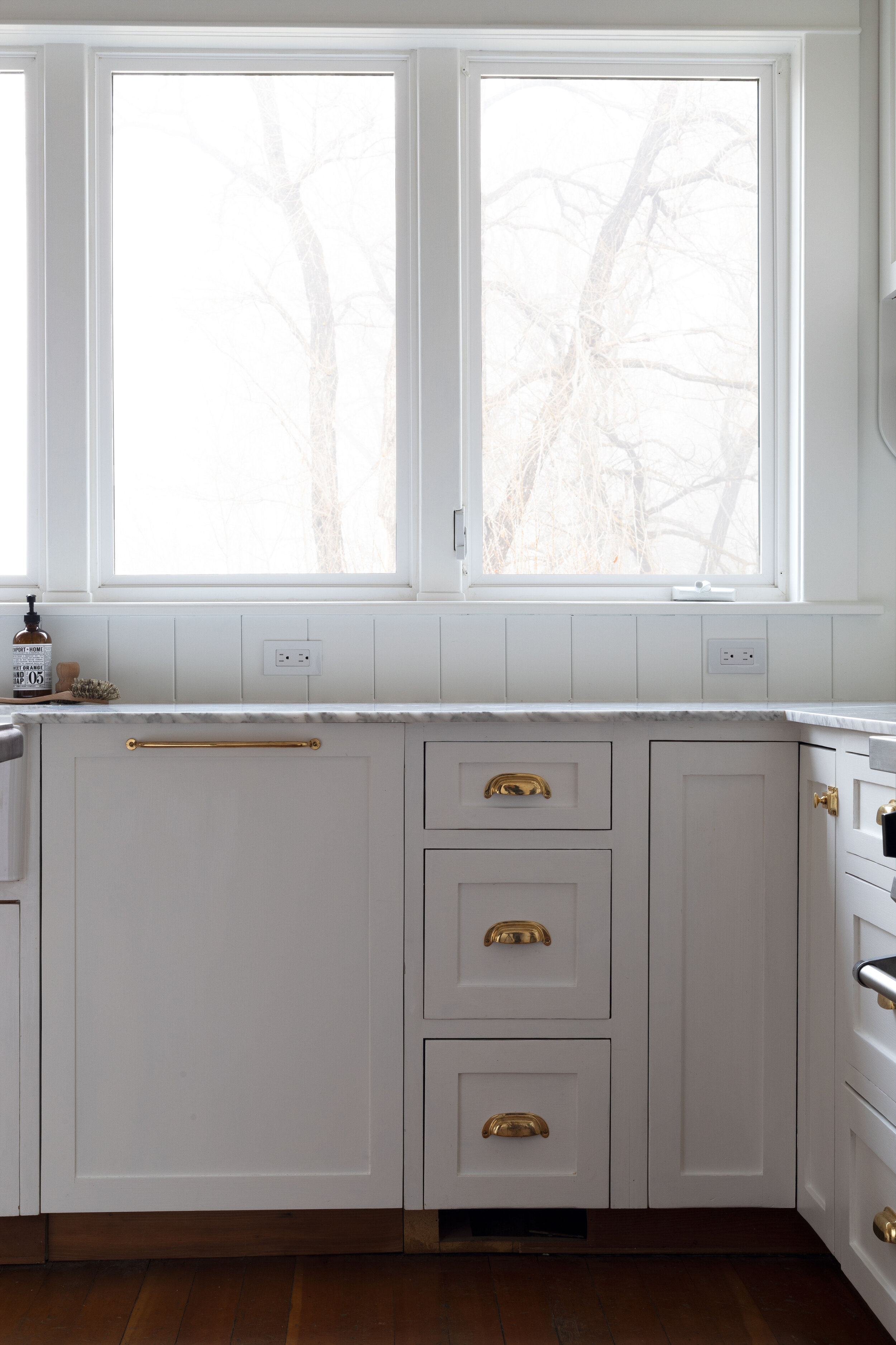 The-Grit-and-Polish---Farmhouse-Country-Kitchen-Reveal-Dishwasher-Panel.jpg