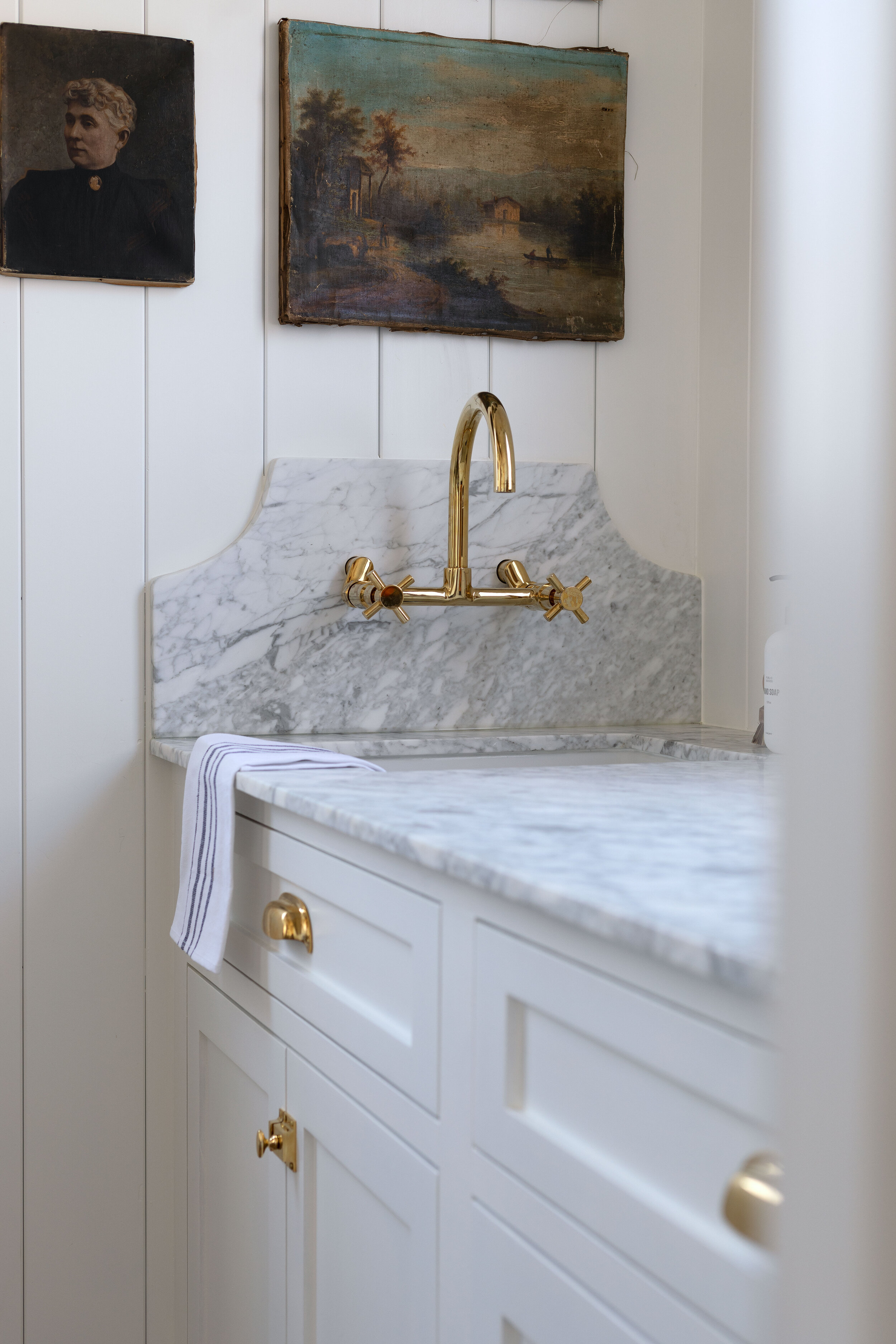 Diy How To Remove Stains From Marble Surfaces Using A Homemade Poultice The Grit And Polish