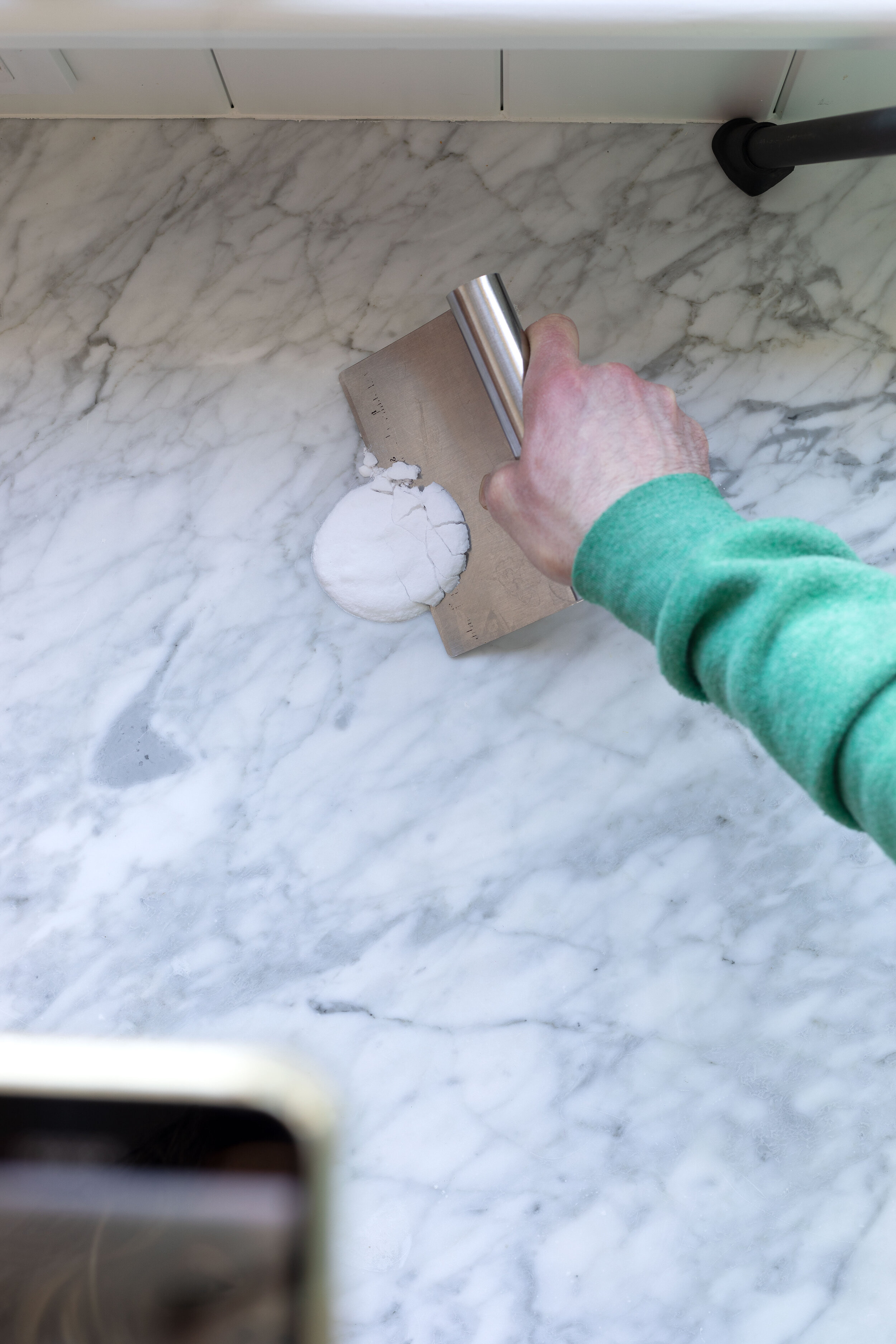 DIY // How to Remove Stains from Marble Surfaces using a Homemade