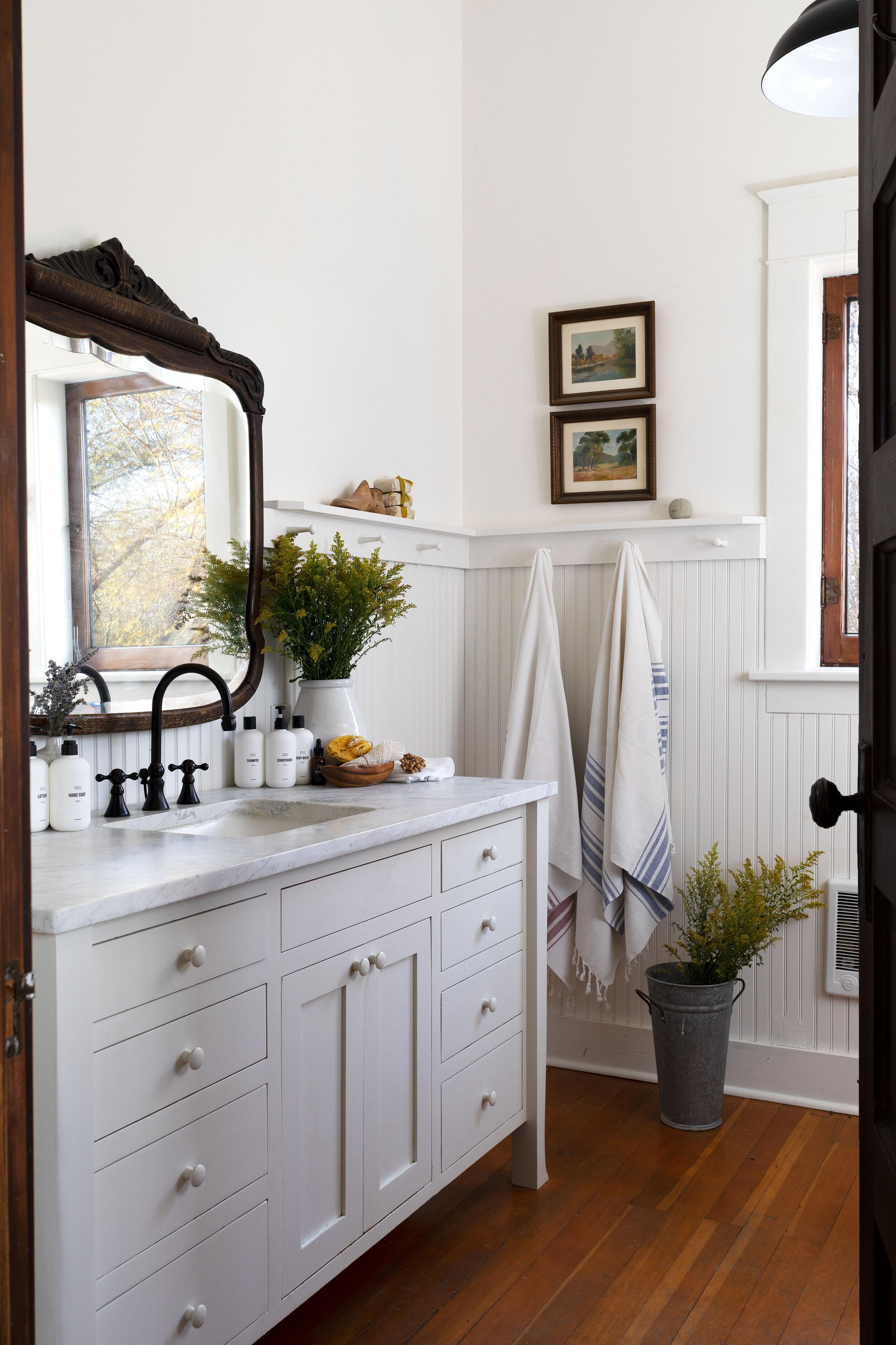 The-Grit-and-Polish---Farmhouse-Bathroom-Public-Goods-6.2.jpg