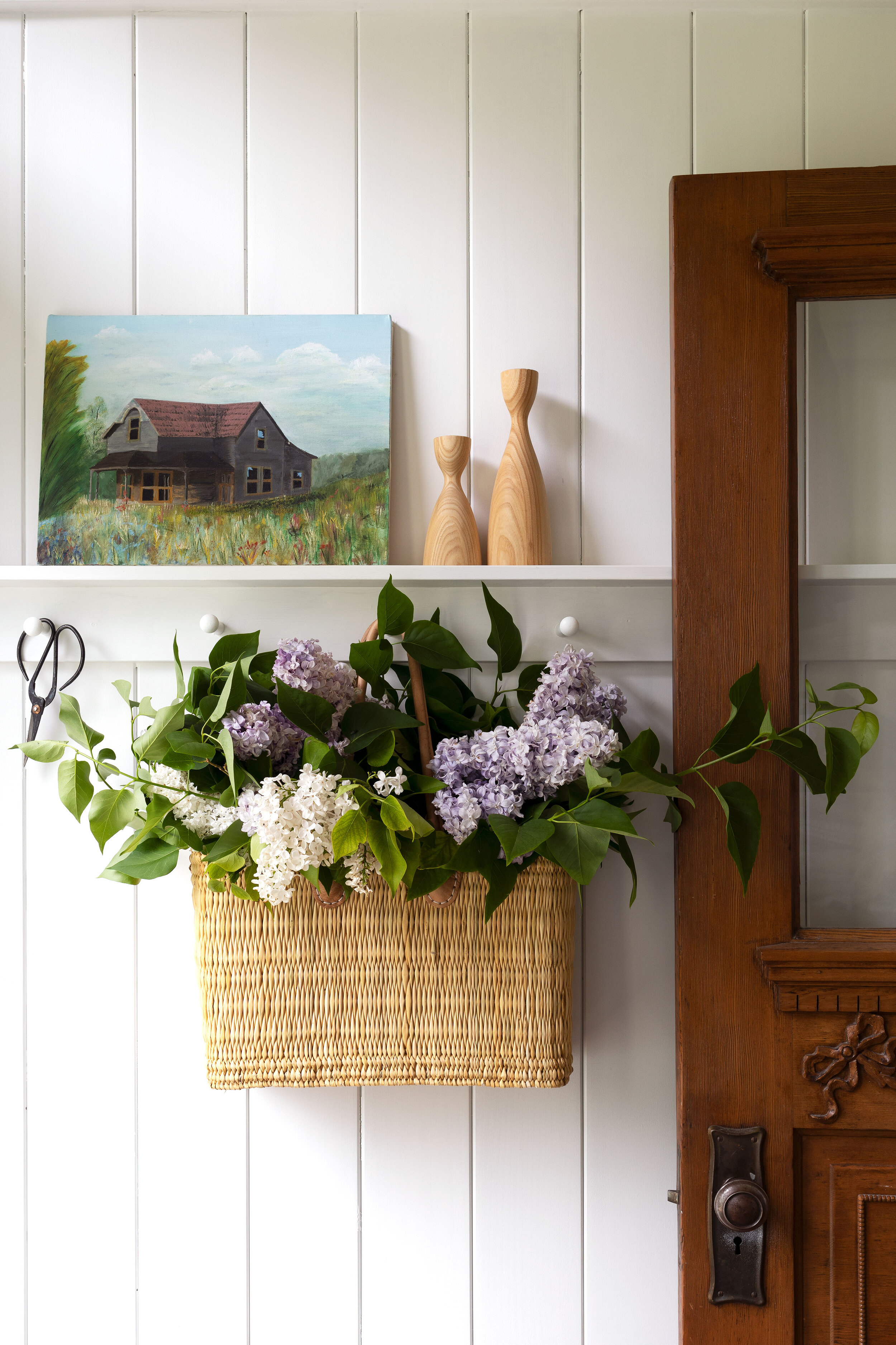 The-Grit-and-Polish---Farmhouse-Lilacs-in-Basket-4.2.jpg