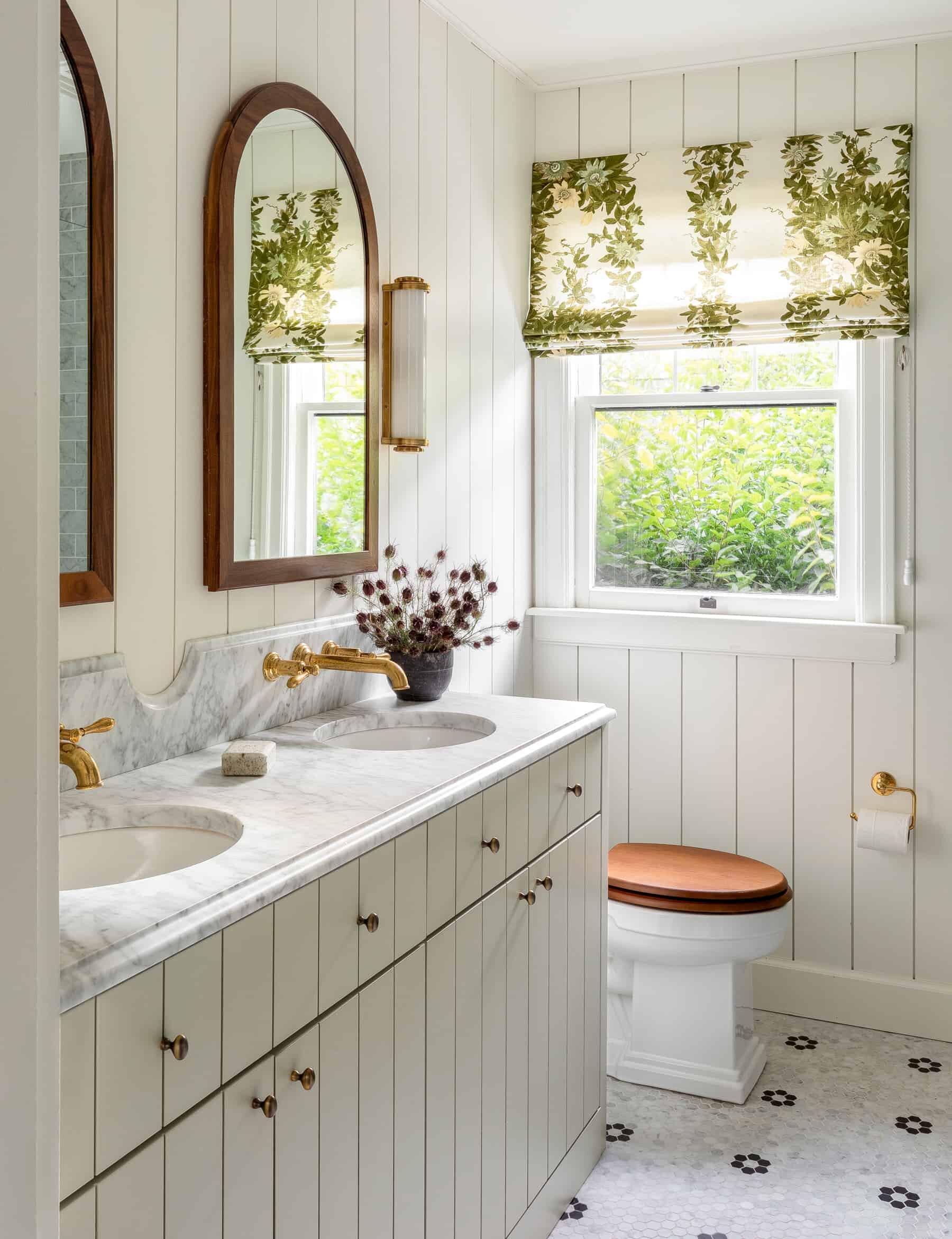 bathroom by Heidi Caillier