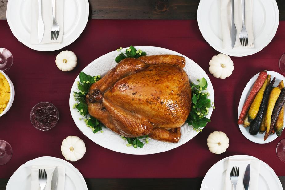 thanksgiving-turkey-dinner_925x.jpg