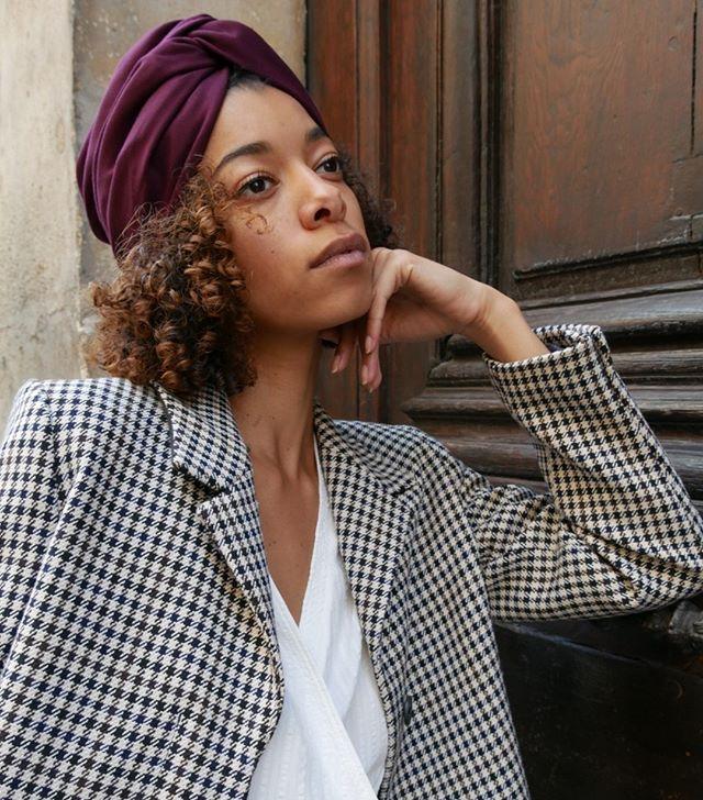 """Retrouvez tous nos turbans, bandeaux et headbands sur le e-shop www.LalaRita.fr ainsi qu'au showroom situé au 7, rue Ferdinand Duval, 75004 Paris. Nous vous y accueillons du lundi au vendredi de 11h à 19h30 et le dimanche de 14h à 20h.  Notre modèle porte le turban """"Pour des prunes"""". #turban #bandeau #headband #handmade #eshop #showroom #style #fashion #mode #summer #collection #hairaccessories"""